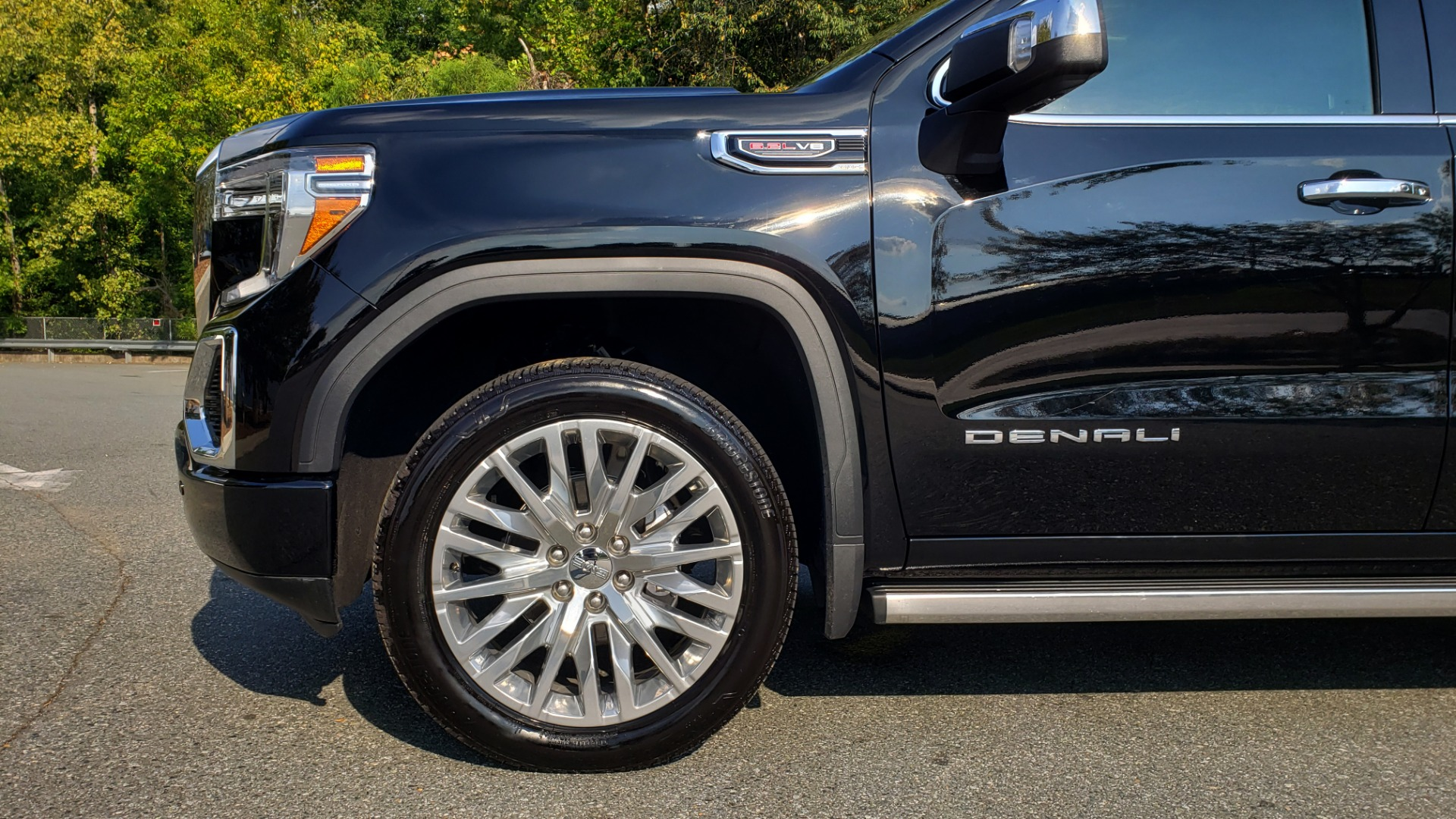 Used 2019 GMC SIERRA 1500 DENALI ULTIMATE 4WD / NAV / TECH PKG / DRVR ALRT for sale Sold at Formula Imports in Charlotte NC 28227 6