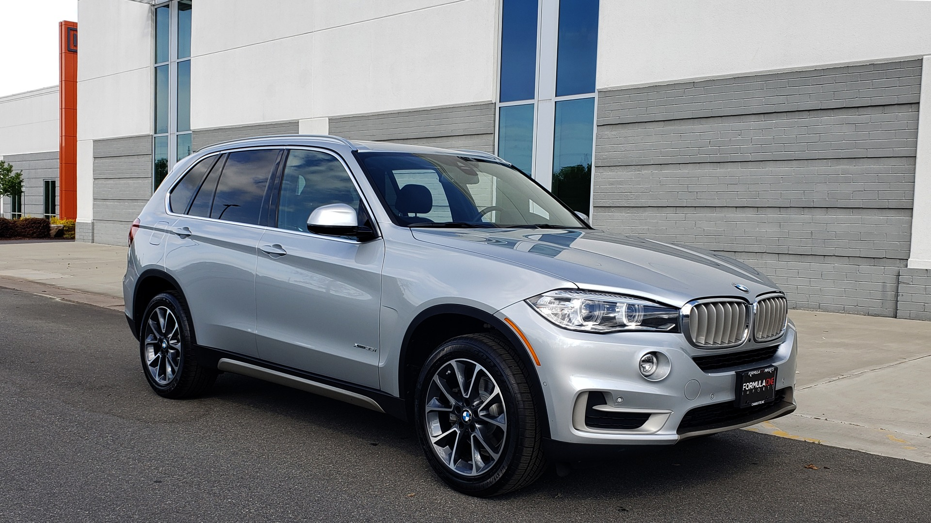 Used 2018 BMW X5 XDRIVE35I PREMIUM / NAV / PANO-ROOF / DRIVER ASST / REARVIEW for sale Sold at Formula Imports in Charlotte NC 28227 10