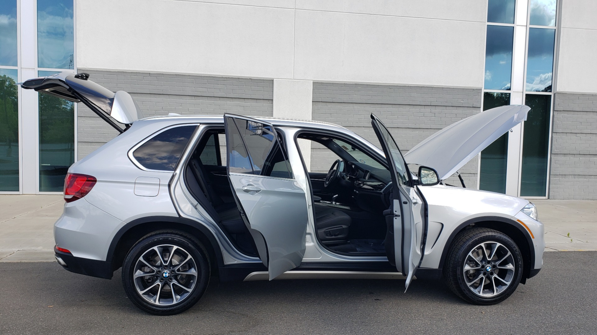 Used 2018 BMW X5 XDRIVE35I PREMIUM / NAV / PANO-ROOF / DRIVER ASST / REARVIEW for sale Sold at Formula Imports in Charlotte NC 28227 14