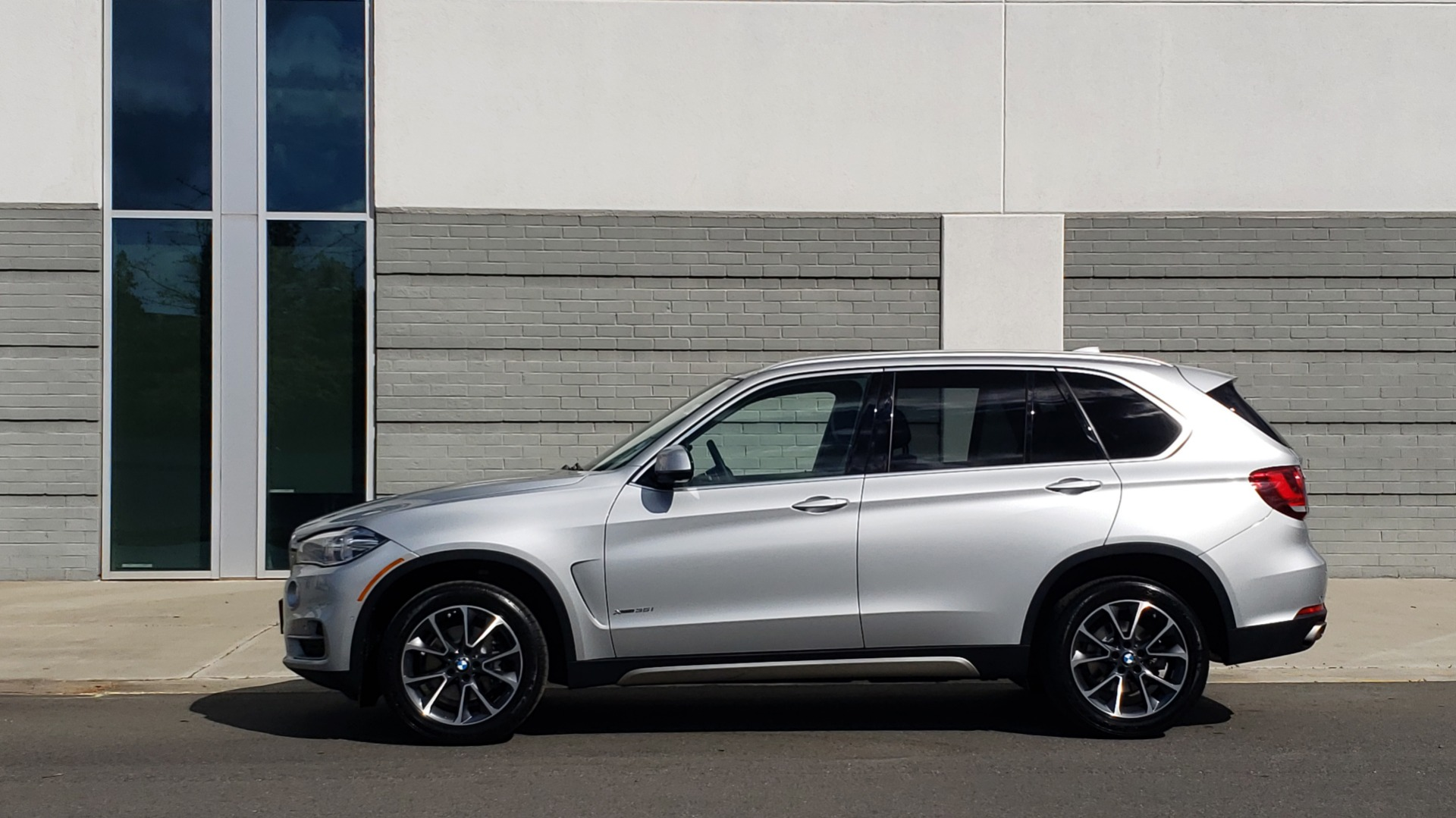 Used 2018 BMW X5 XDRIVE35I PREMIUM / NAV / PANO-ROOF / DRIVER ASST / REARVIEW for sale Sold at Formula Imports in Charlotte NC 28227 5