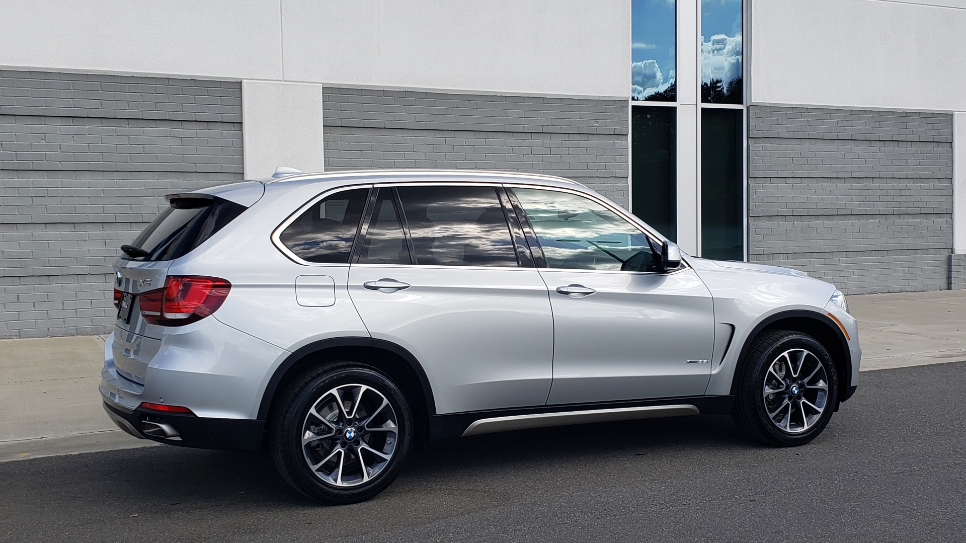 Used 2018 BMW X5 XDRIVE35I PREMIUM / NAV / PANO-ROOF / DRIVER ASST / REARVIEW for sale Sold at Formula Imports in Charlotte NC 28227 8