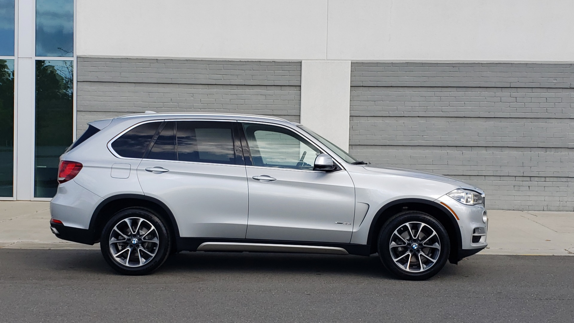 Used 2018 BMW X5 XDRIVE35I PREMIUM / NAV / PANO-ROOF / DRIVER ASST / REARVIEW for sale Sold at Formula Imports in Charlotte NC 28227 9