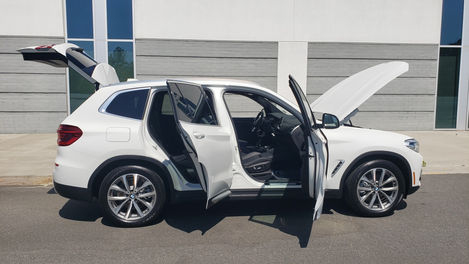 Used 2018 BMW X3 XDRIVE30I / CONV PKG / PANO-ROOF / HTD STS / REARVIEW for sale $33,995 at Formula Imports in Charlotte NC 28227 11