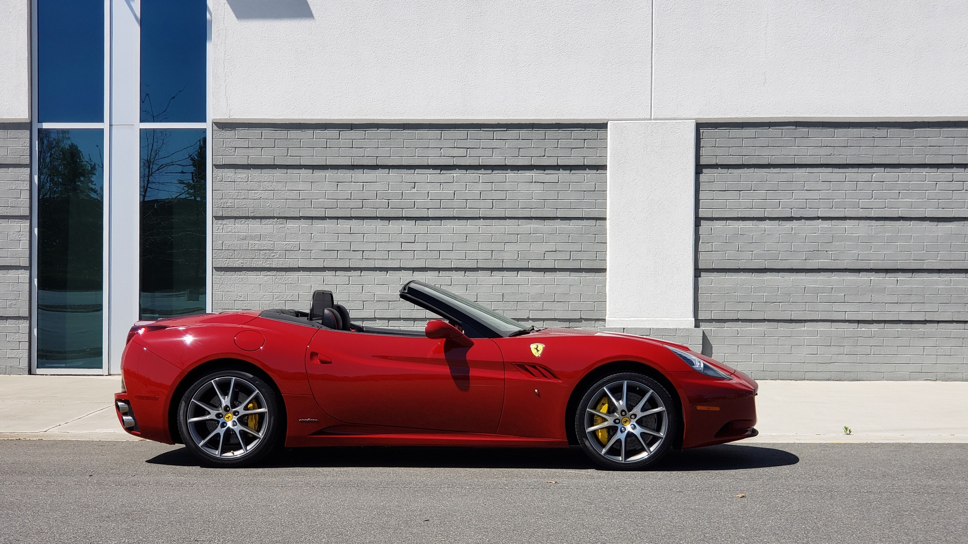 Used 2014 Ferrari CALIFORNIA CONVERTIBLE 2+2 / NAV / PARK SENS / CAMERA / TPMS for sale Sold at Formula Imports in Charlotte NC 28227 14