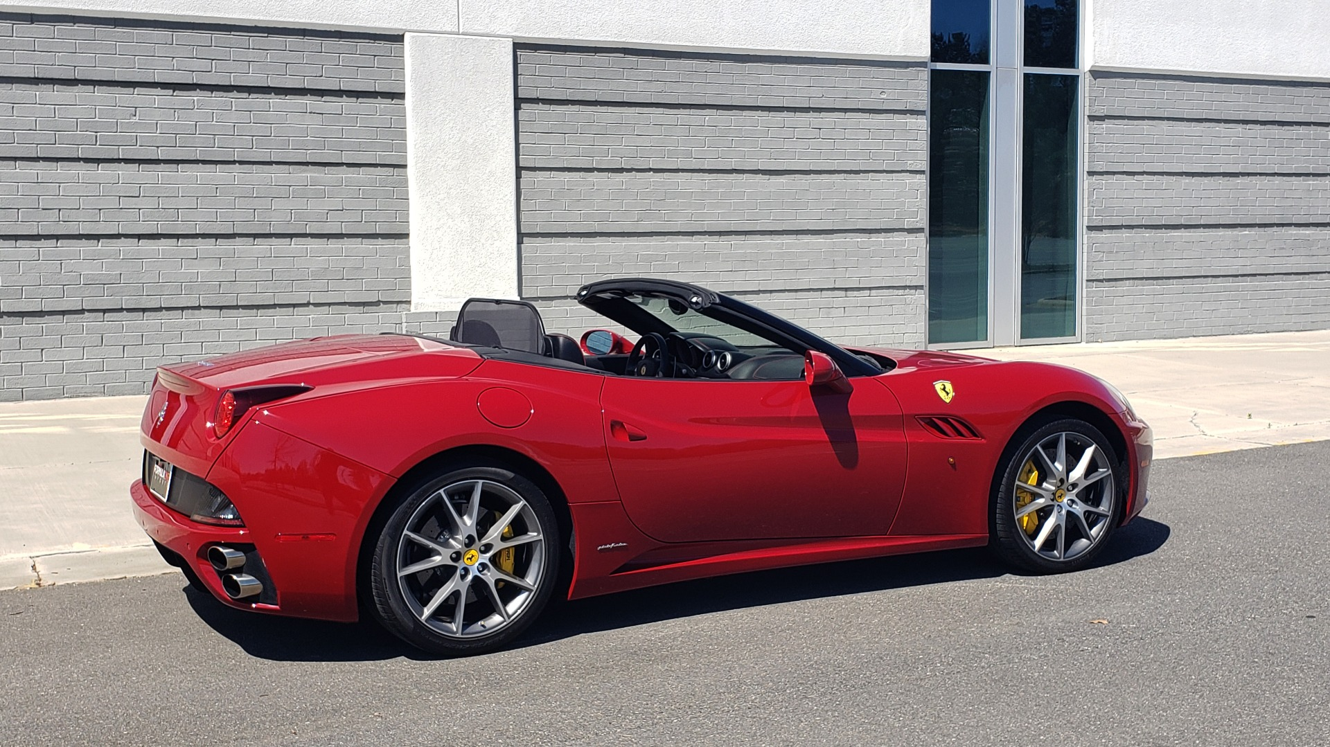 Used 2014 Ferrari CALIFORNIA CONVERTIBLE 2+2 / NAV / PARK SENS / CAMERA / TPMS for sale Sold at Formula Imports in Charlotte NC 28227 15