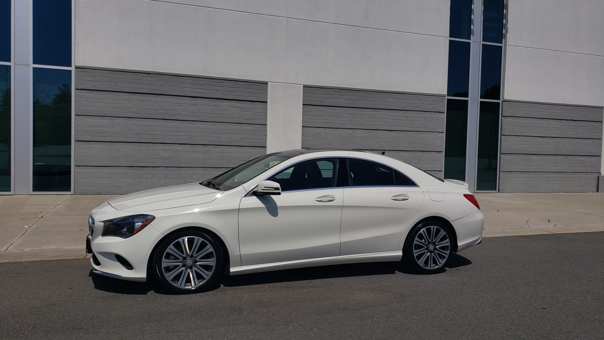 Used 2018 Mercedes-Benz CLA 250 4MATIC PREMIUM / PANO-ROOF / CONV PKG / APPLE / REARVIEW for sale $25,395 at Formula Imports in Charlotte NC 28227 3