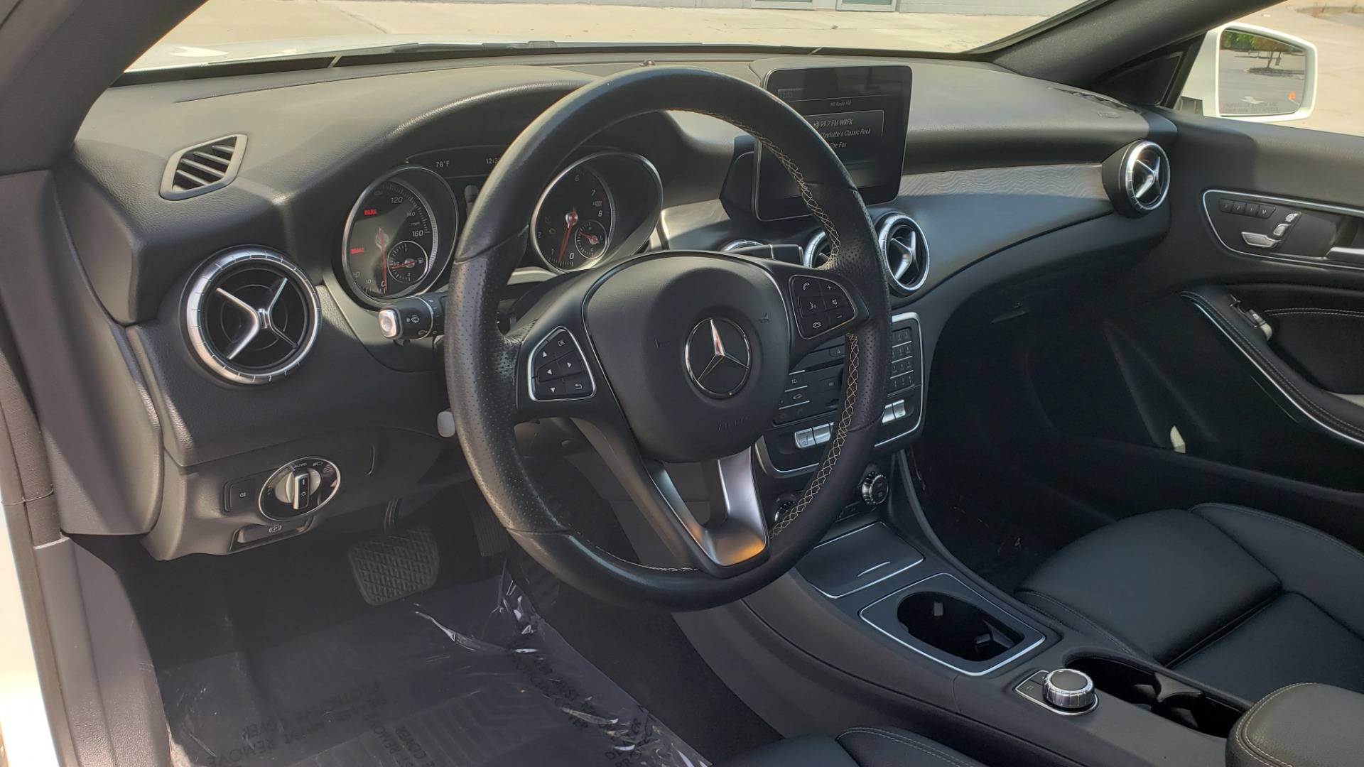 Used 2018 Mercedes-Benz CLA 250 4MATIC PREMIUM / PANO-ROOF / CONV PKG / APPLE / REARVIEW for sale $25,395 at Formula Imports in Charlotte NC 28227 36