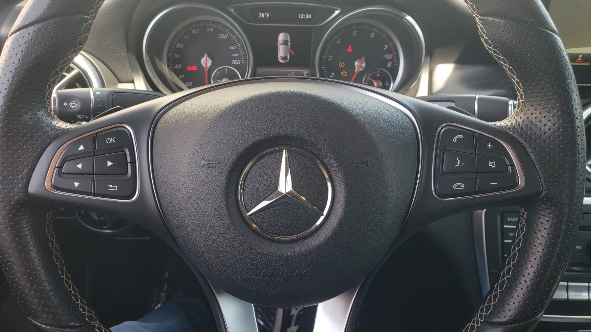Used 2018 Mercedes-Benz CLA 250 4MATIC PREMIUM / PANO-ROOF / CONV PKG / APPLE / REARVIEW for sale $25,395 at Formula Imports in Charlotte NC 28227 38