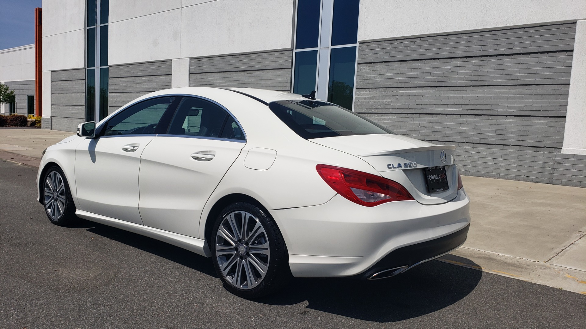 Used 2018 Mercedes-Benz CLA 250 4MATIC PREMIUM / PANO-ROOF / CONV PKG / APPLE / REARVIEW for sale $25,395 at Formula Imports in Charlotte NC 28227 5