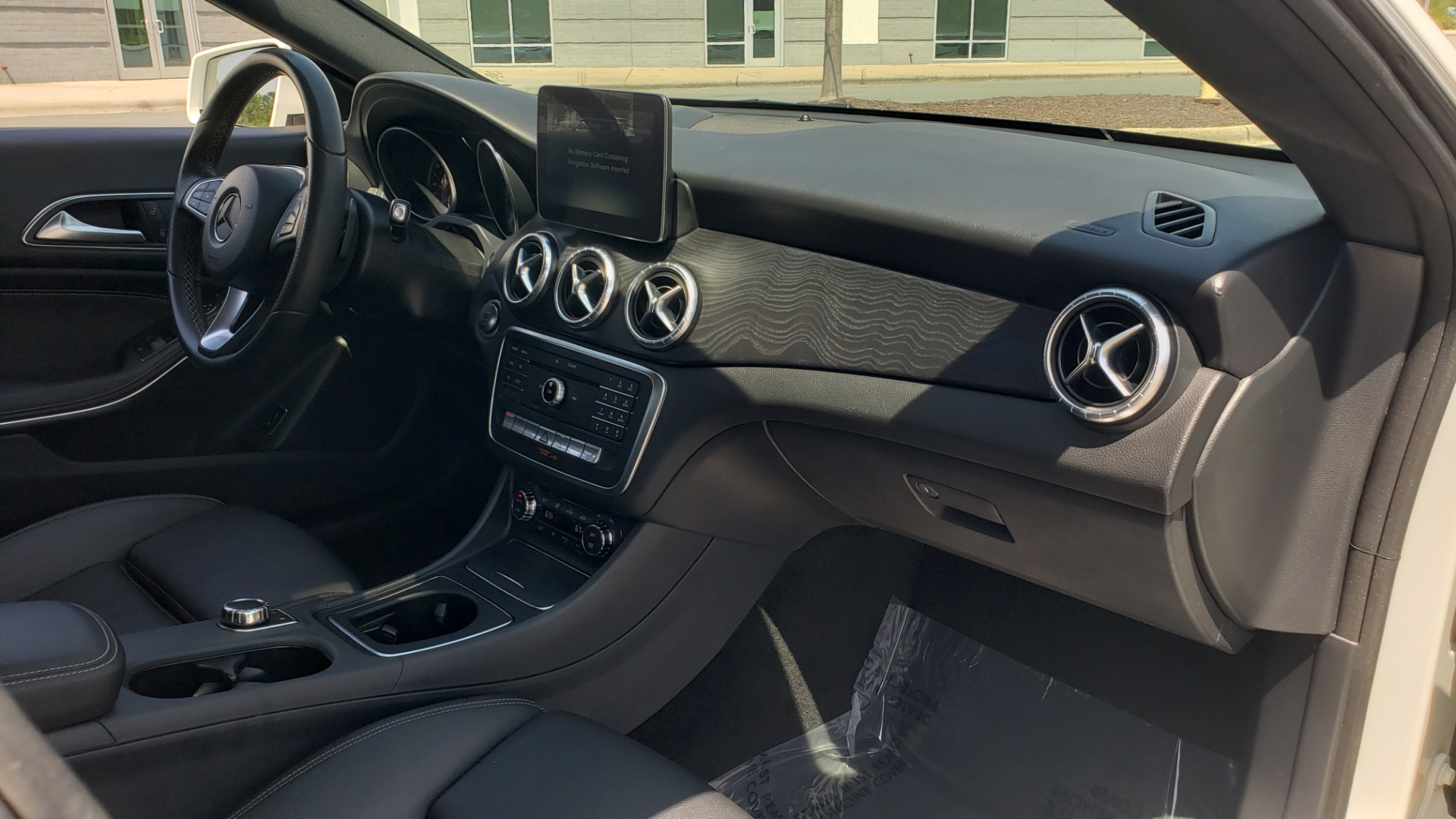Used 2018 Mercedes-Benz CLA 250 4MATIC PREMIUM / PANO-ROOF / CONV PKG / APPLE / REARVIEW for sale $25,395 at Formula Imports in Charlotte NC 28227 65