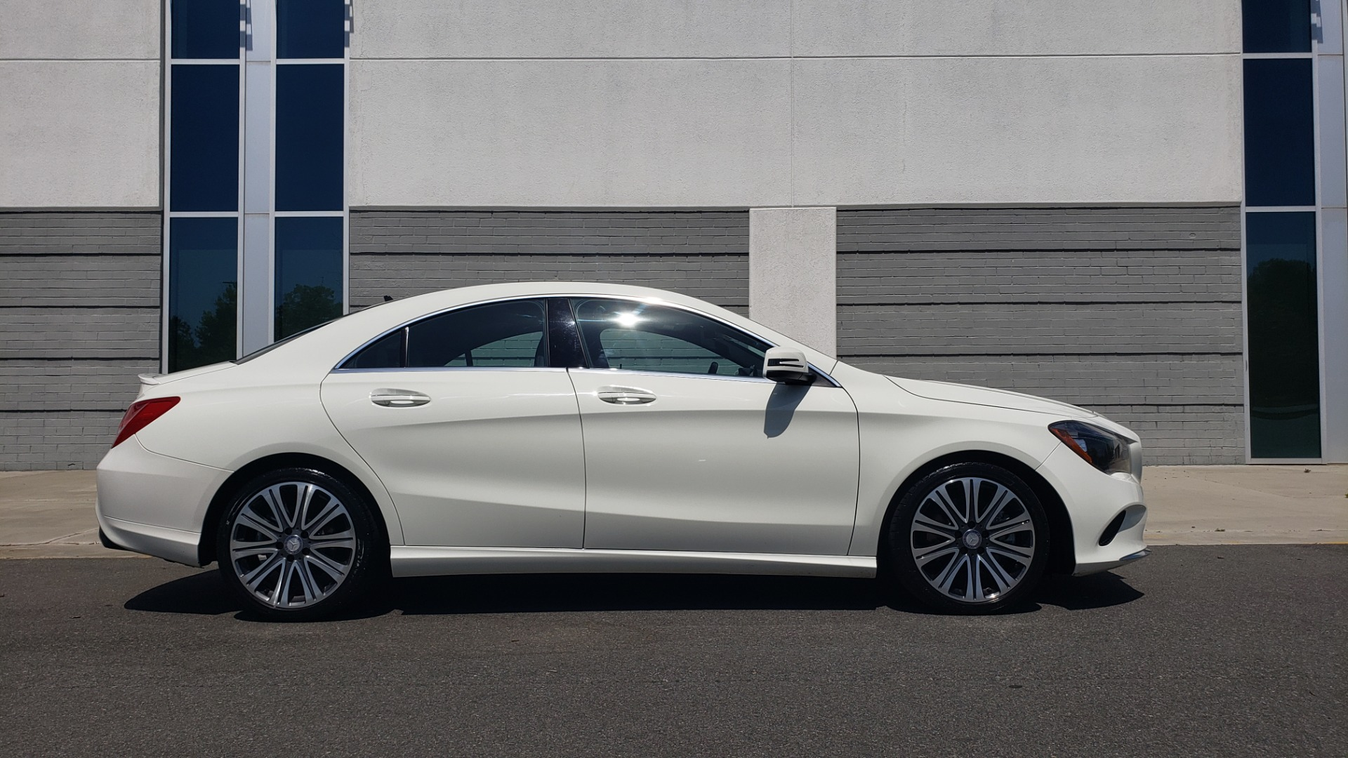 Used 2018 Mercedes-Benz CLA 250 4MATIC PREMIUM / PANO-ROOF / CONV PKG / APPLE / REARVIEW for sale $25,395 at Formula Imports in Charlotte NC 28227 7