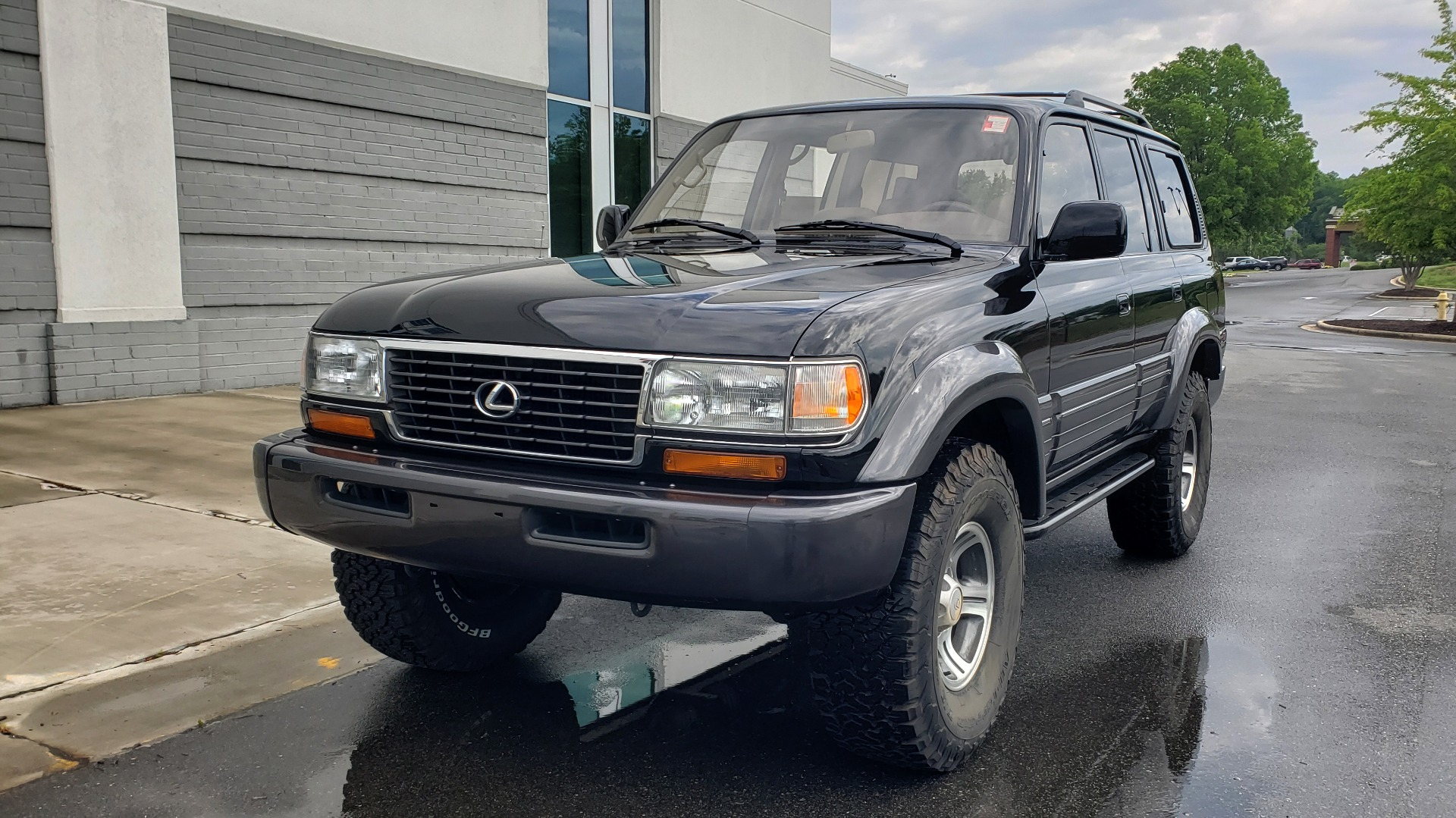 Used 1996 Lexus LX 450 AWD / 4.5L 6-CYL / 4-SPD AUTO / RUNNING BOARDS / NEW BFG TIRES for sale $49,995 at Formula Imports in Charlotte NC 28227 2