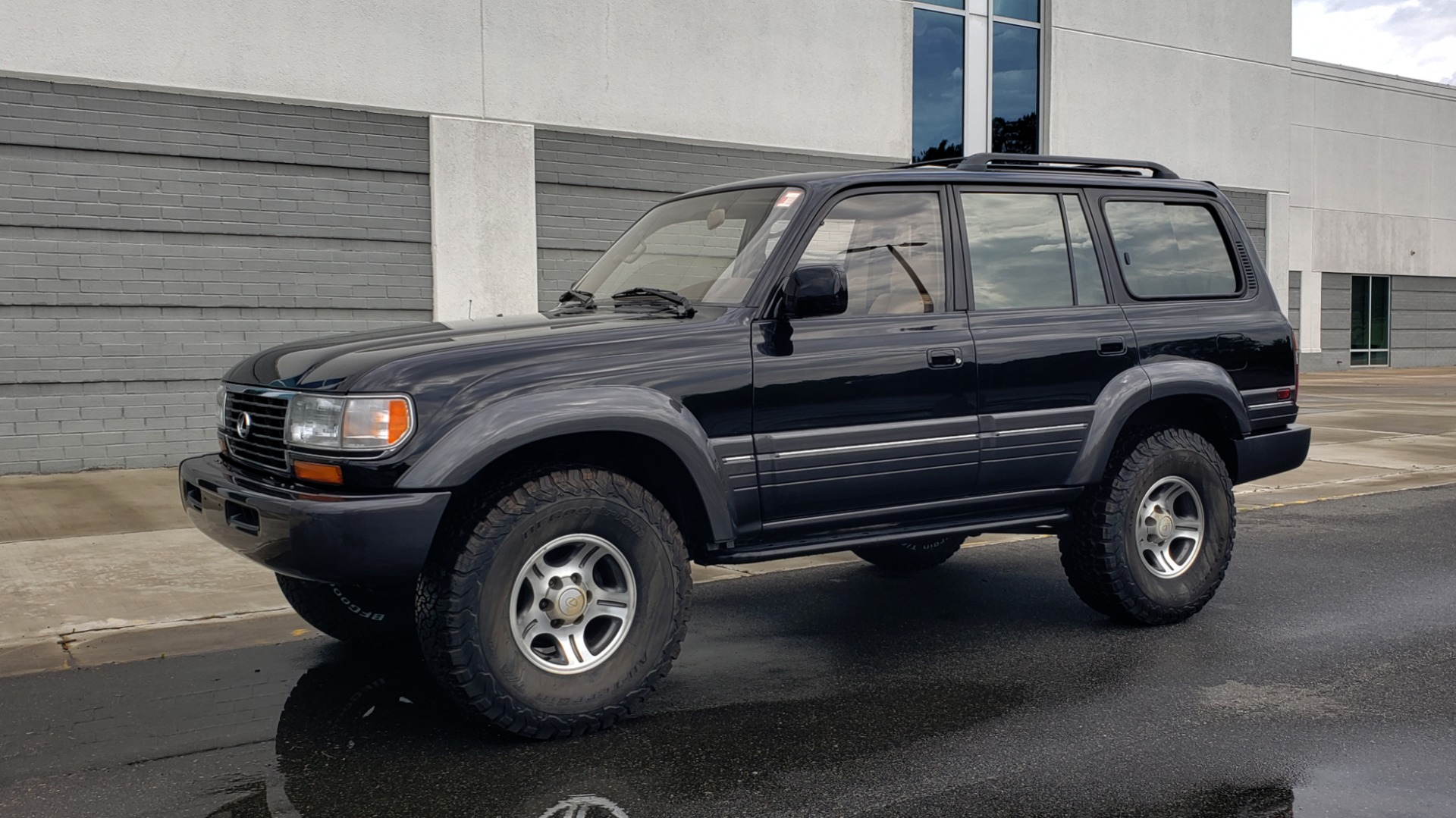 Used 1996 Lexus LX 450 AWD / 4.5L 6-CYL / 4-SPD AUTO / RUNNING BOARDS / NEW BFG TIRES for sale $49,995 at Formula Imports in Charlotte NC 28227 3