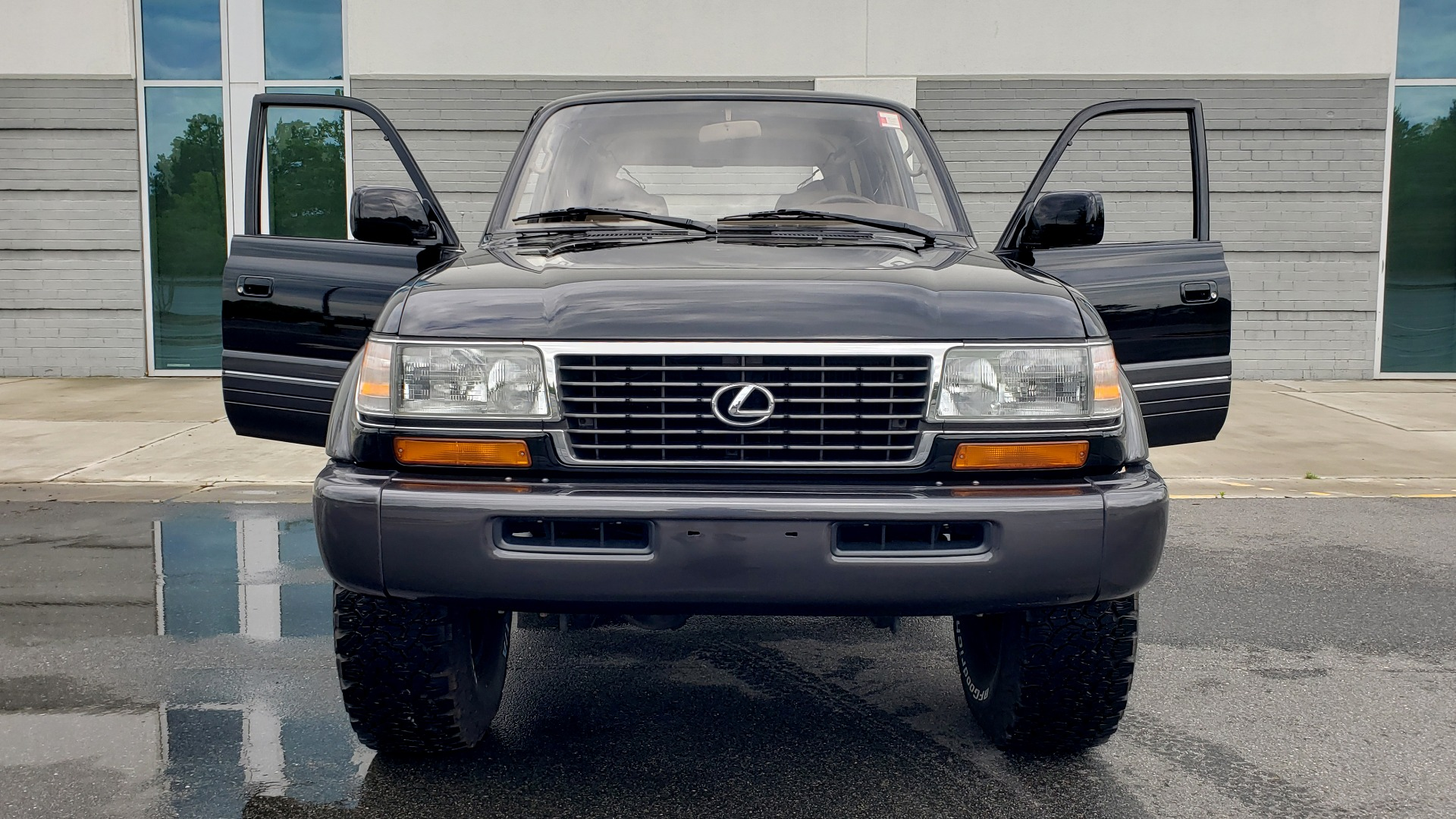 Used 1996 Lexus LX 450 AWD / 4.5L 6-CYL / 4-SPD AUTO / RUNNING BOARDS / NEW BFG TIRES for sale $49,995 at Formula Imports in Charlotte NC 28227 42