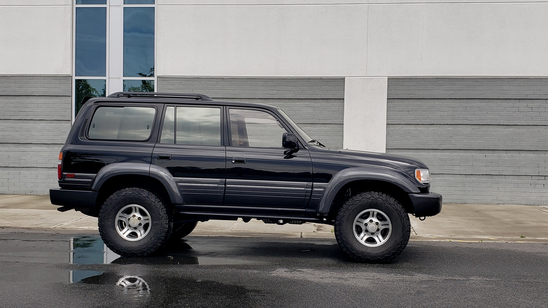 Used 1996 Lexus LX 450 AWD / 4.5L 6-CYL / 4-SPD AUTO / RUNNING BOARDS / NEW BFG TIRES for sale $49,995 at Formula Imports in Charlotte NC 28227 7