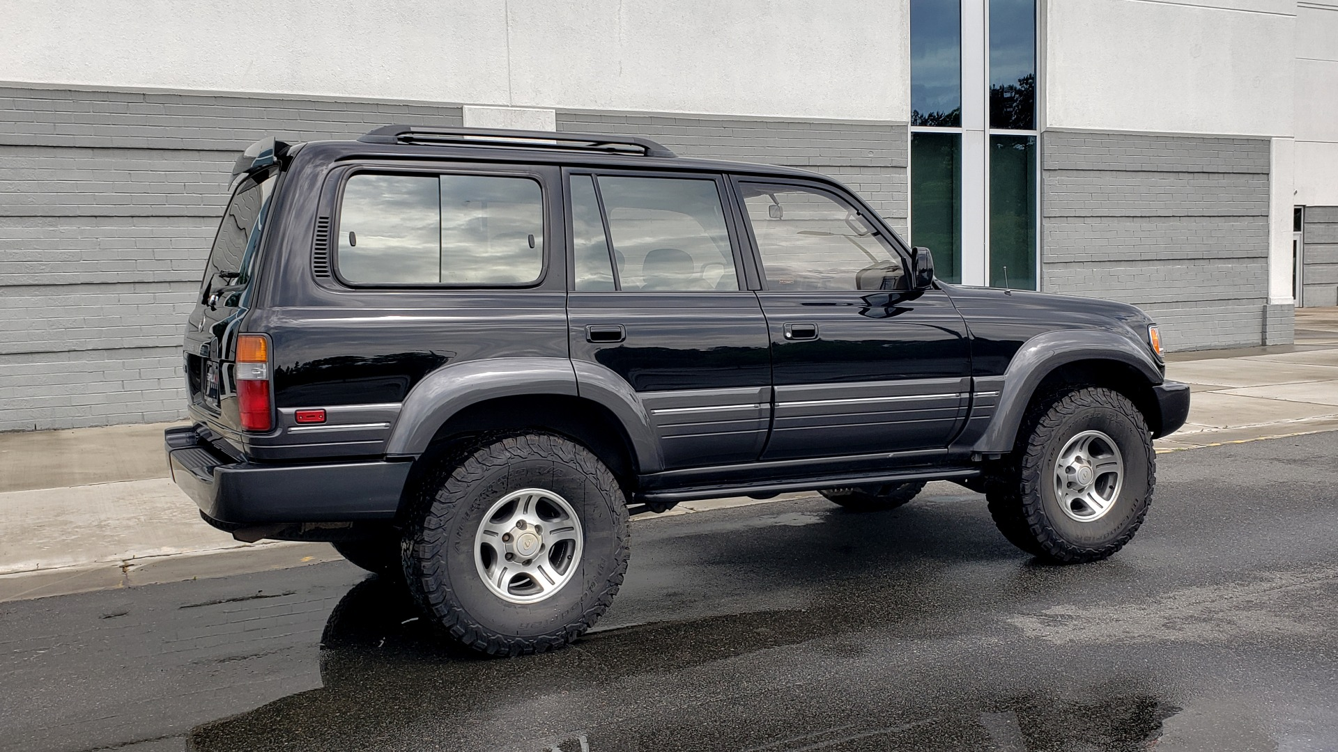 Used 1996 Lexus LX 450 AWD / 4.5L 6-CYL / 4-SPD AUTO / RUNNING BOARDS / NEW BFG TIRES for sale $49,995 at Formula Imports in Charlotte NC 28227 8