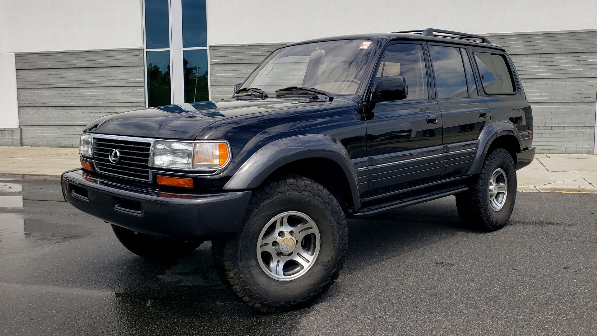 Used 1996 Lexus LX 450 AWD / 4.5L 6-CYL / 4-SPD AUTO / RUNNING BOARDS / NEW BFG TIRES for sale $49,995 at Formula Imports in Charlotte NC 28227 1
