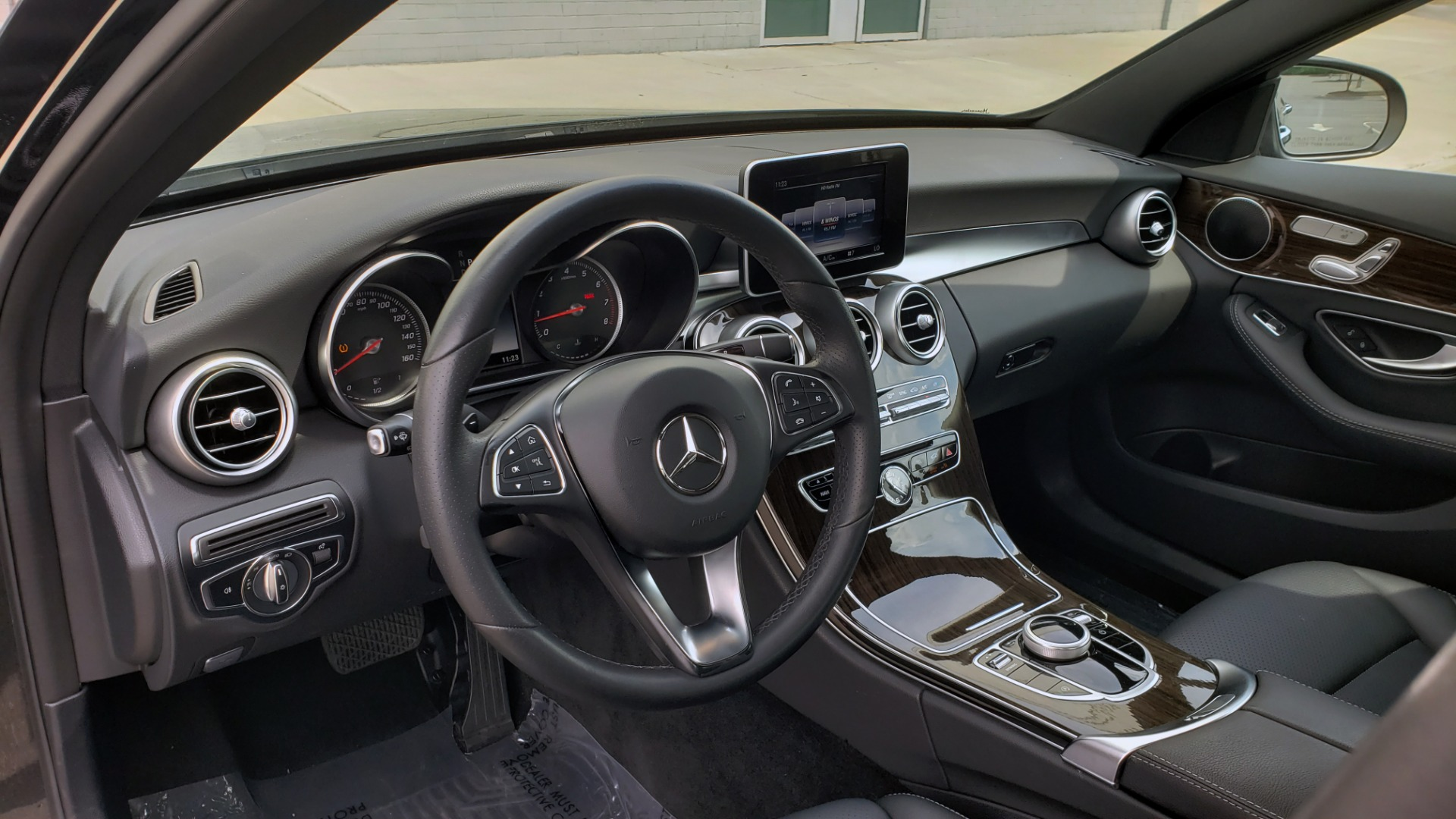 Used 2018 Mercedes-Benz C-CLASS C 300 PREMIUM / HTD STS / APPLE CARPLAY / 18IN WHEELS / REARVIEW for sale $24,795 at Formula Imports in Charlotte NC 28227 37