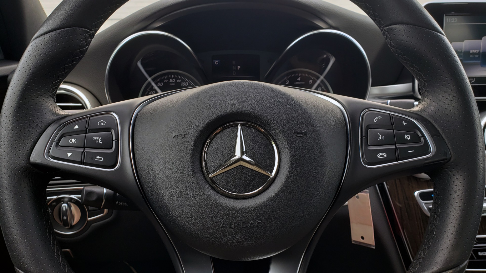 Used 2018 Mercedes-Benz C-CLASS C 300 PREMIUM / HTD STS / APPLE CARPLAY / 18IN WHEELS / REARVIEW for sale $24,795 at Formula Imports in Charlotte NC 28227 40