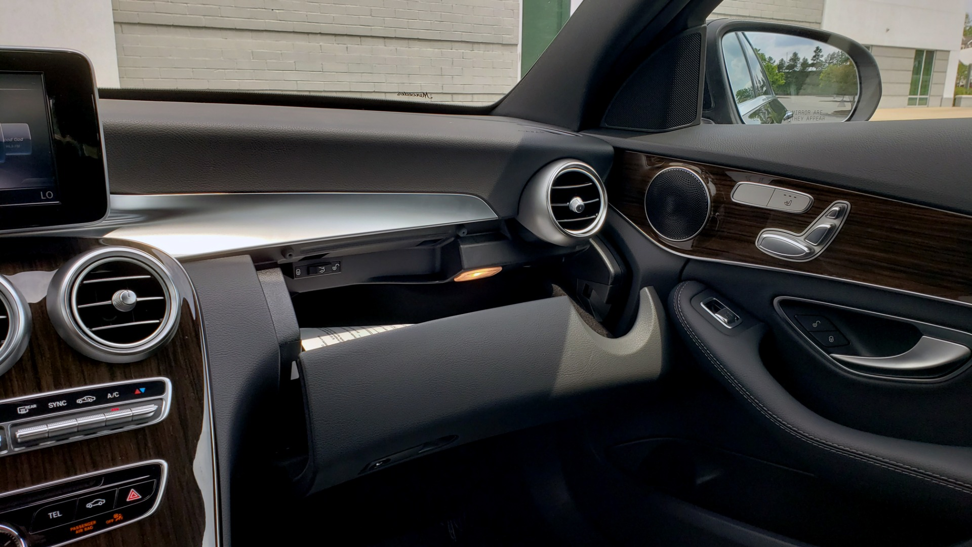 Used 2018 Mercedes-Benz C-CLASS C 300 PREMIUM / HTD STS / APPLE CARPLAY / 18IN WHEELS / REARVIEW for sale $24,795 at Formula Imports in Charlotte NC 28227 55