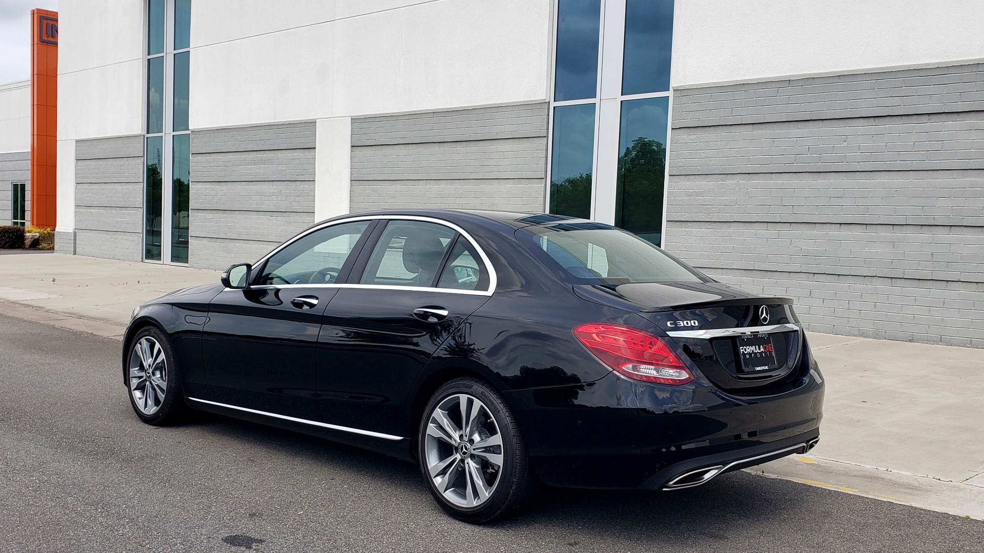 Used 2018 Mercedes-Benz C-CLASS C 300 PREMIUM / HTD STS / APPLE CARPLAY / 18IN WHEELS / REARVIEW for sale $24,795 at Formula Imports in Charlotte NC 28227 6