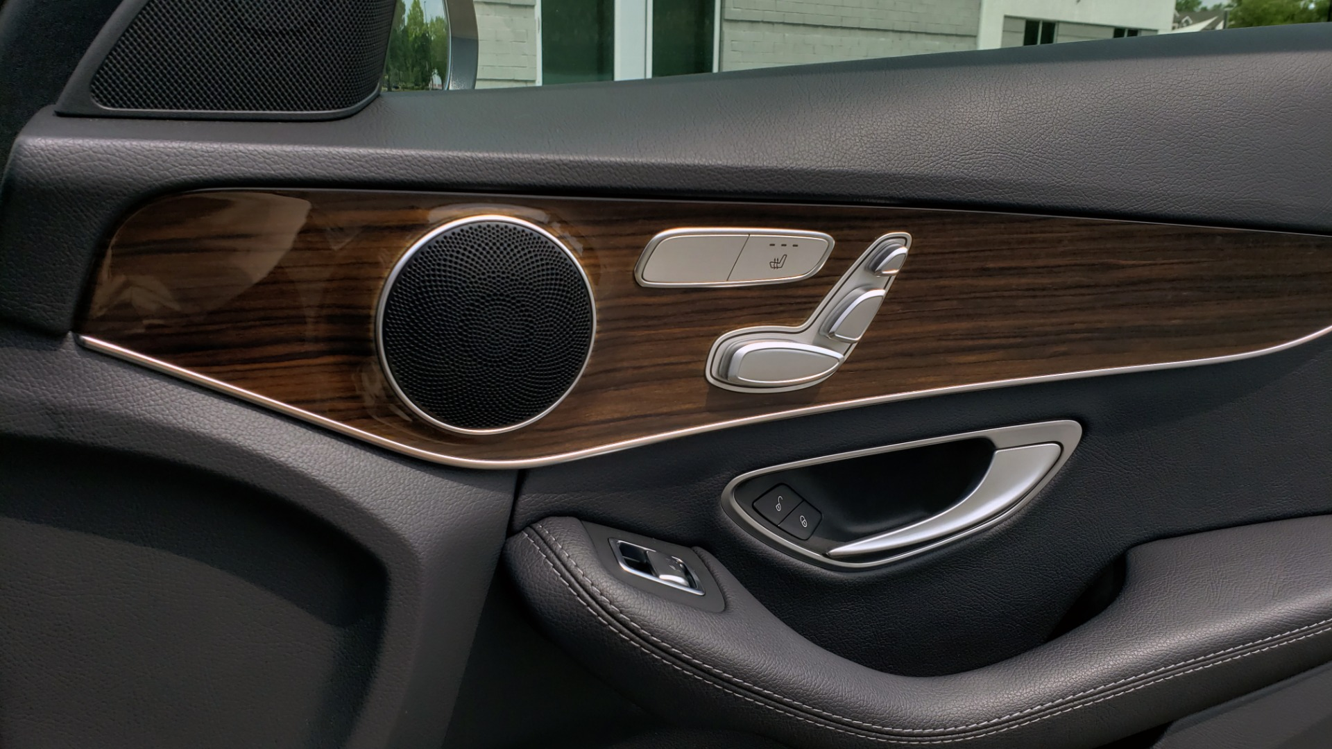 Used 2018 Mercedes-Benz C-CLASS C 300 PREMIUM / HTD STS / APPLE CARPLAY / 18IN WHEELS / REARVIEW for sale $24,795 at Formula Imports in Charlotte NC 28227 68