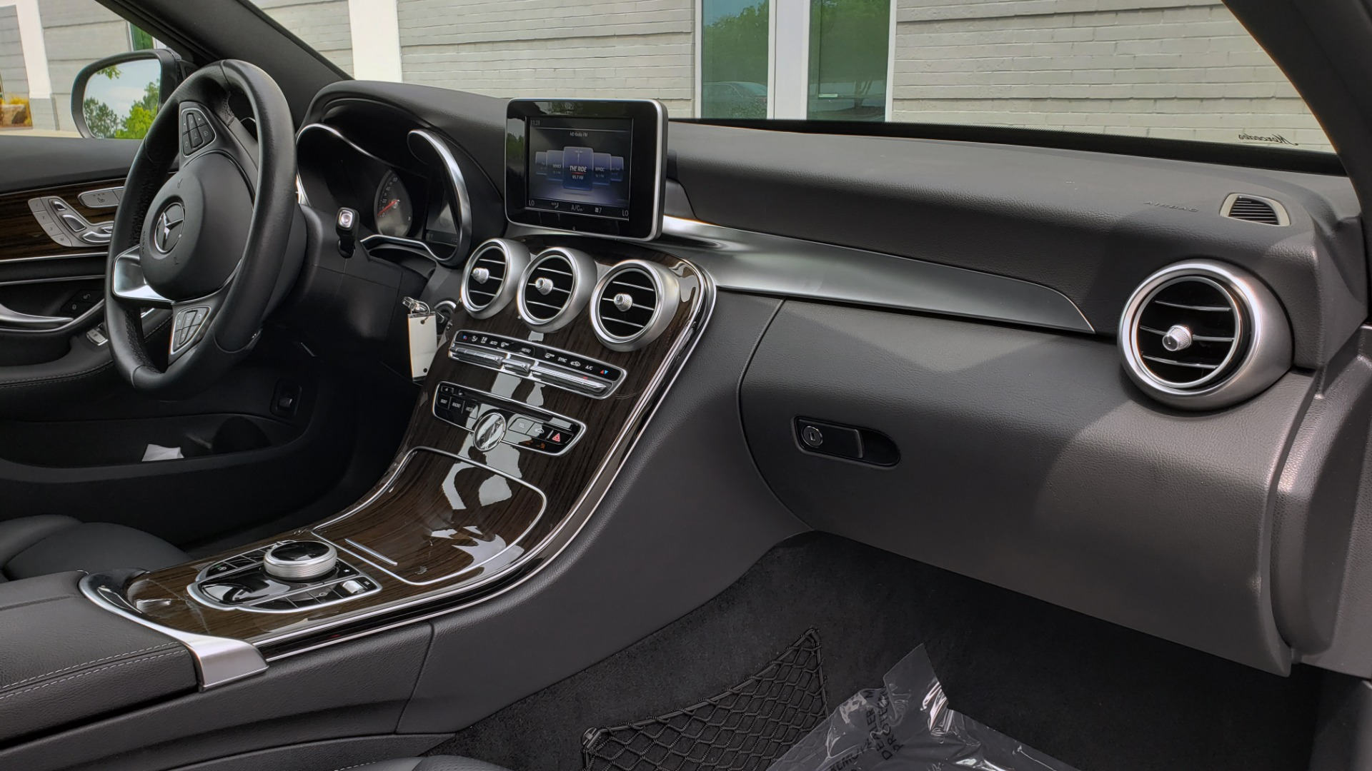 Used 2018 Mercedes-Benz C-CLASS C 300 PREMIUM / HTD STS / APPLE CARPLAY / 18IN WHEELS / REARVIEW for sale $24,795 at Formula Imports in Charlotte NC 28227 72