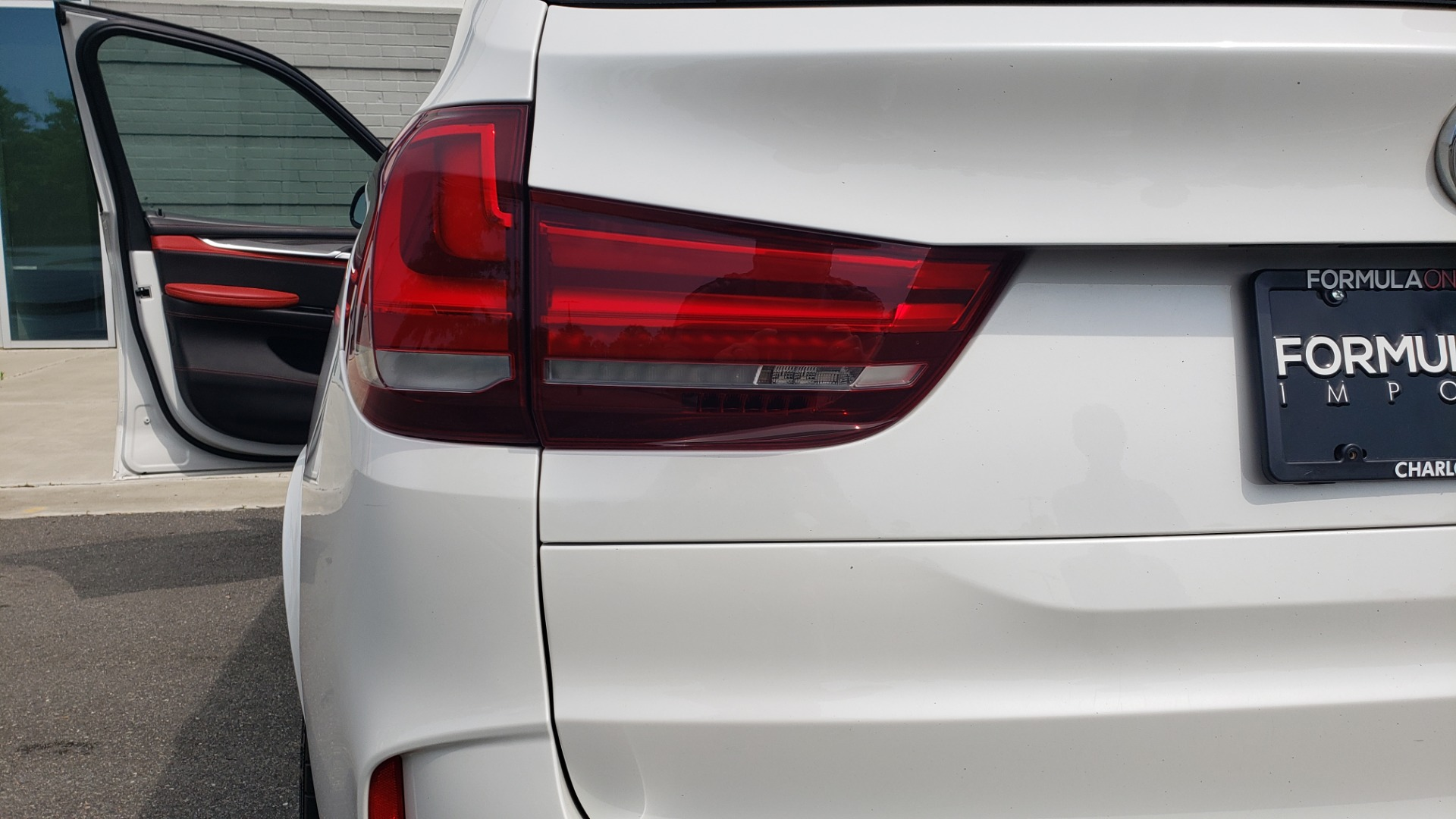 Used 2017 BMW X5 M EXECUTIVE PKG / NAV / DRVR ASST / BSM / HUD / HTD STS / WIFI for sale Sold at Formula Imports in Charlotte NC 28227 29