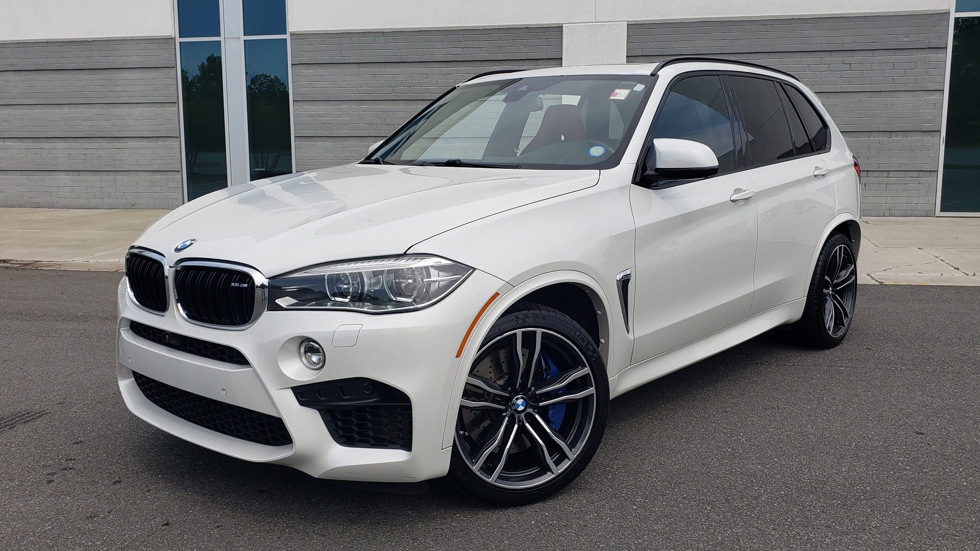 Used 2017 BMW X5 M EXECUTIVE PKG / NAV / DRVR ASST / BSM / HUD / HTD STS / WIFI for sale $61,995 at Formula Imports in Charlotte NC 28227 1