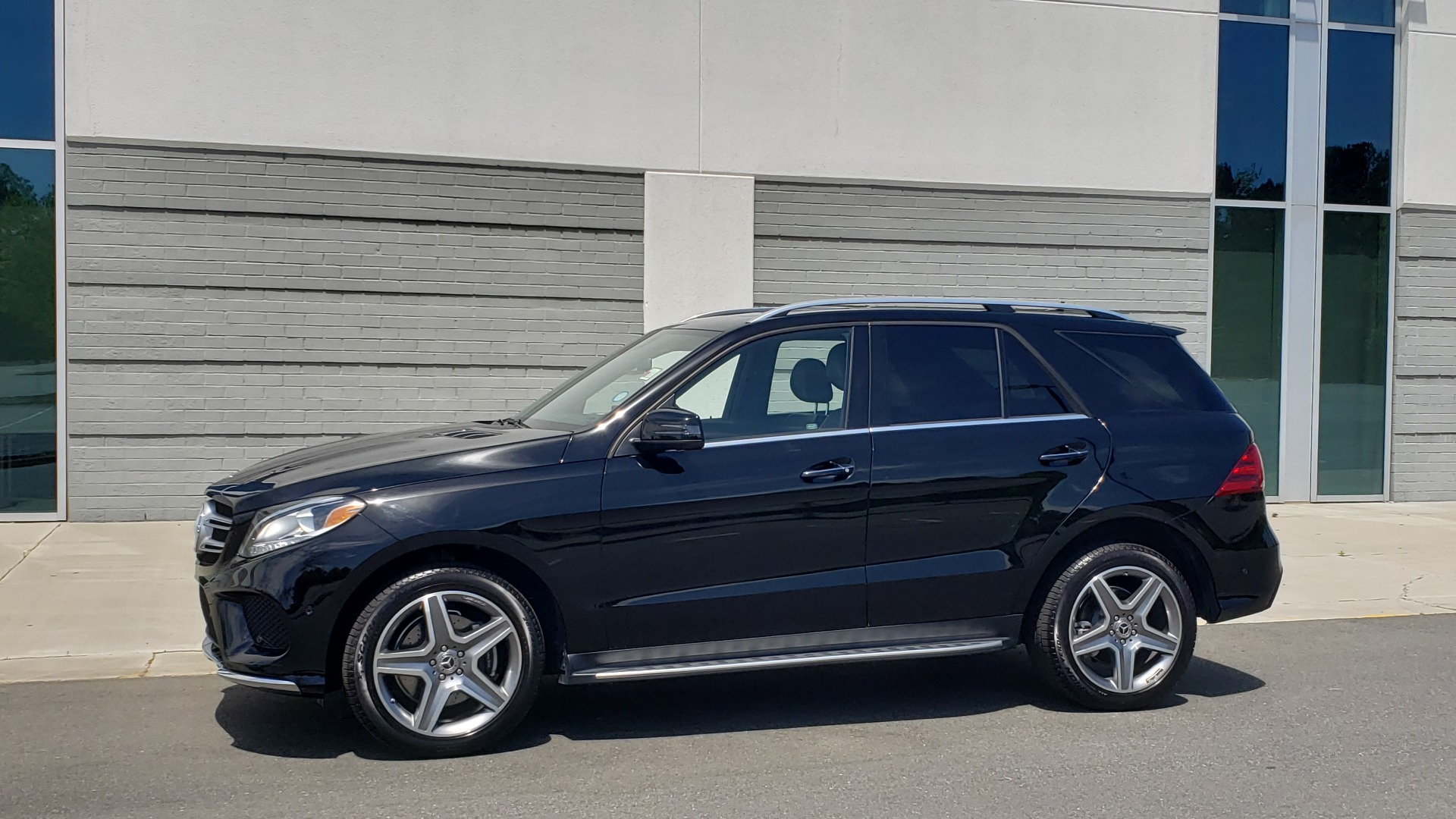 Used 2018 Mercedes-Benz GLE 350 PREMIUM / NAV / H/K SOUND / SUNROOF / REARVIEW for sale Sold at Formula Imports in Charlotte NC 28227 2