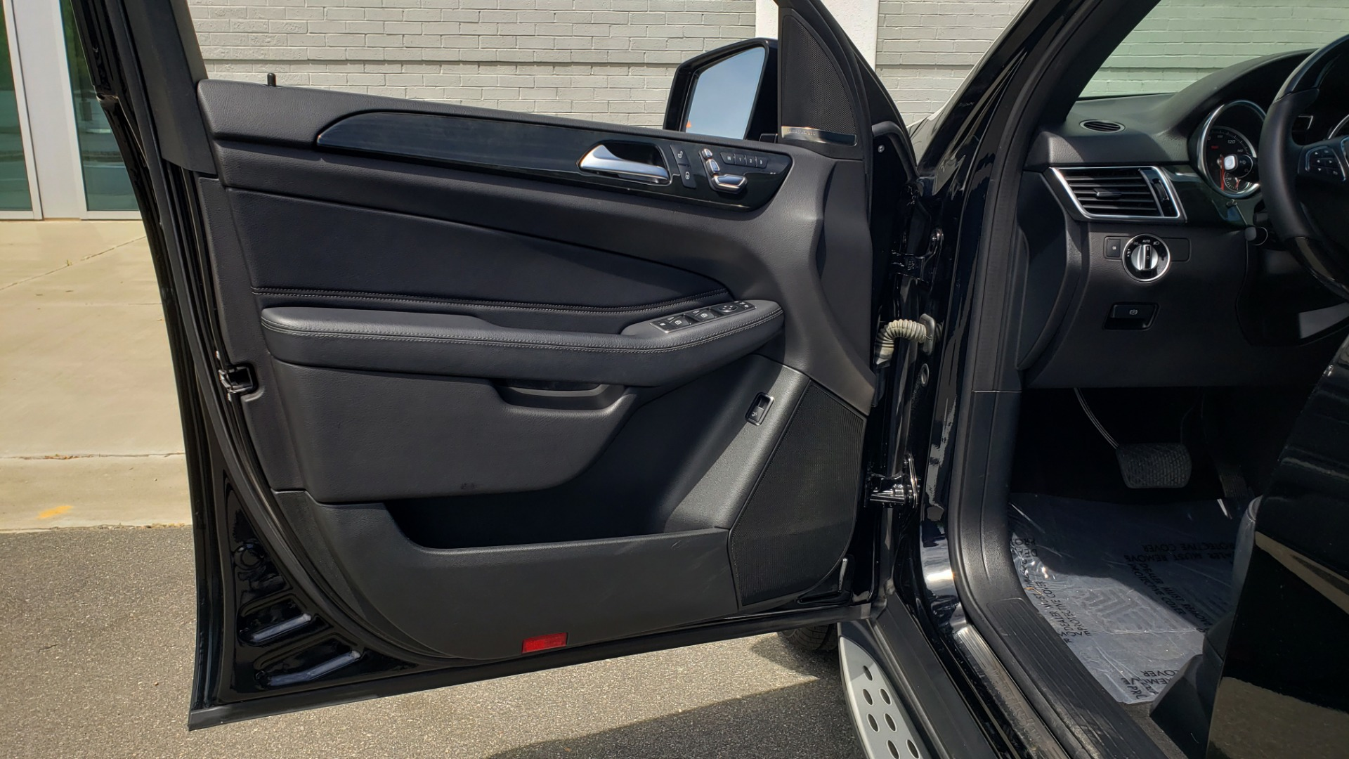 Used 2018 Mercedes-Benz GLE 350 PREMIUM / NAV / H/K SOUND / SUNROOF / REARVIEW for sale Sold at Formula Imports in Charlotte NC 28227 35