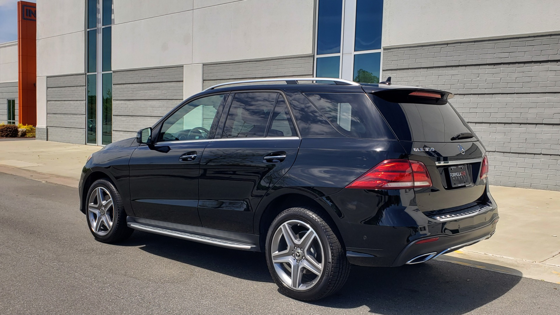 Used 2018 Mercedes-Benz GLE 350 PREMIUM / NAV / H/K SOUND / SUNROOF / REARVIEW for sale Sold at Formula Imports in Charlotte NC 28227 4