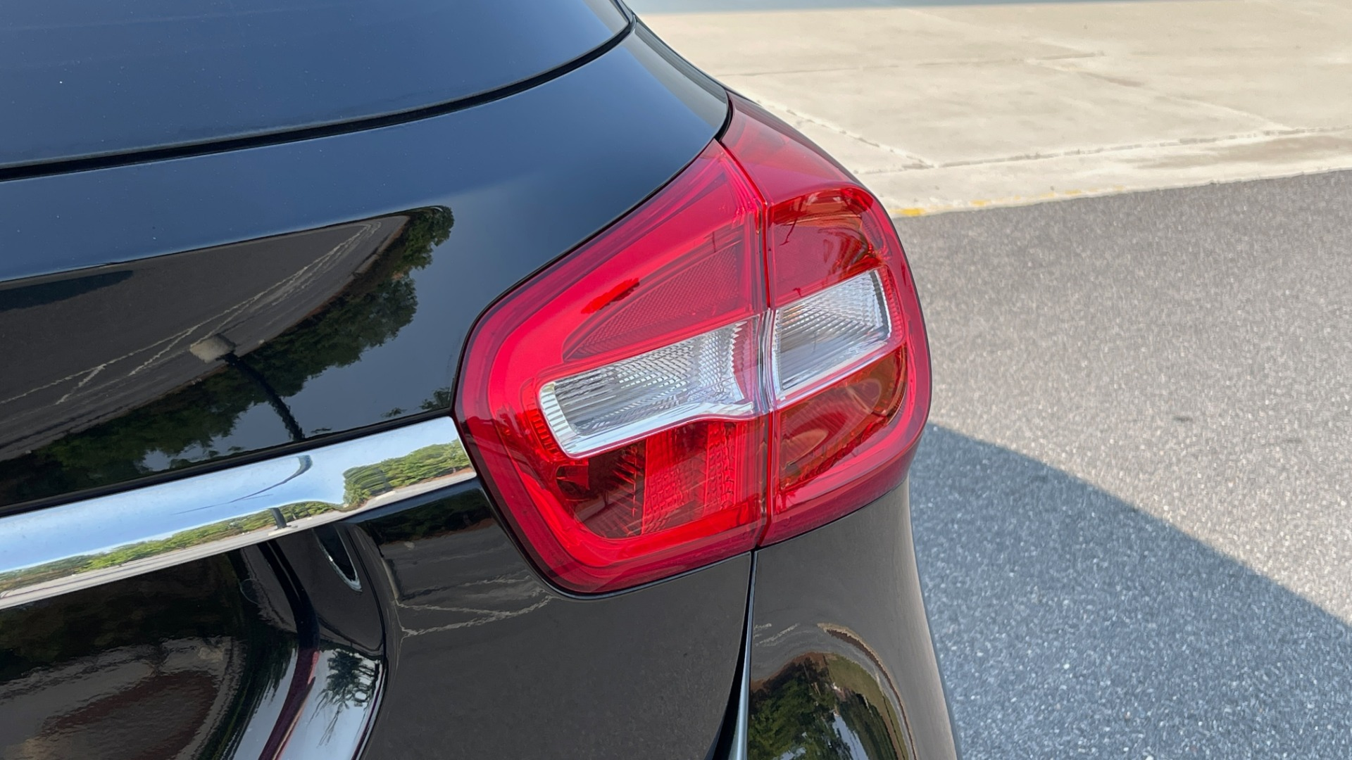 Used 2018 Mercedes-Benz GLA 250 SUV / GARMIN MAP PILOT / 18IN WHEELS / REARVIEW for sale $26,995 at Formula Imports in Charlotte NC 28227 23