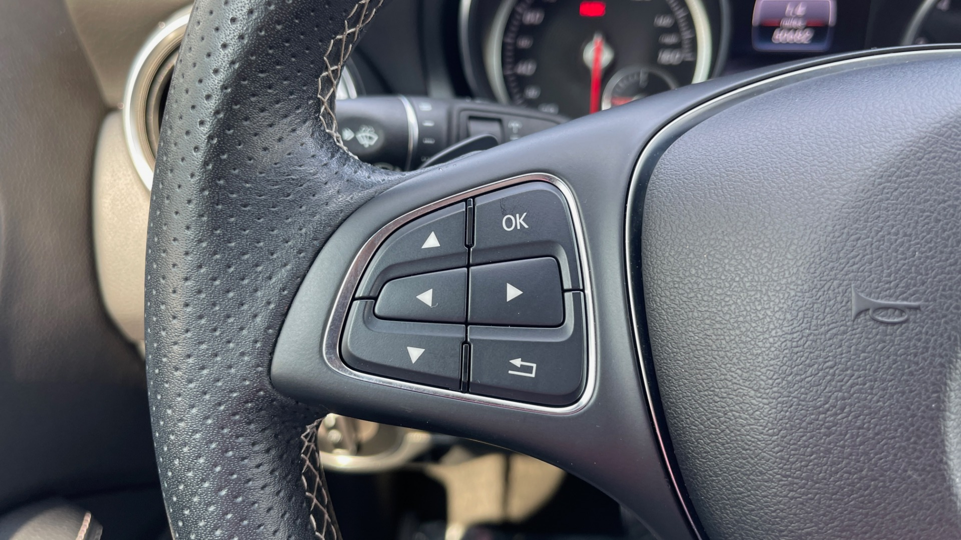 Used 2018 Mercedes-Benz GLA 250 SUV / GARMIN MAP PILOT / 18IN WHEELS / REARVIEW for sale $26,995 at Formula Imports in Charlotte NC 28227 30