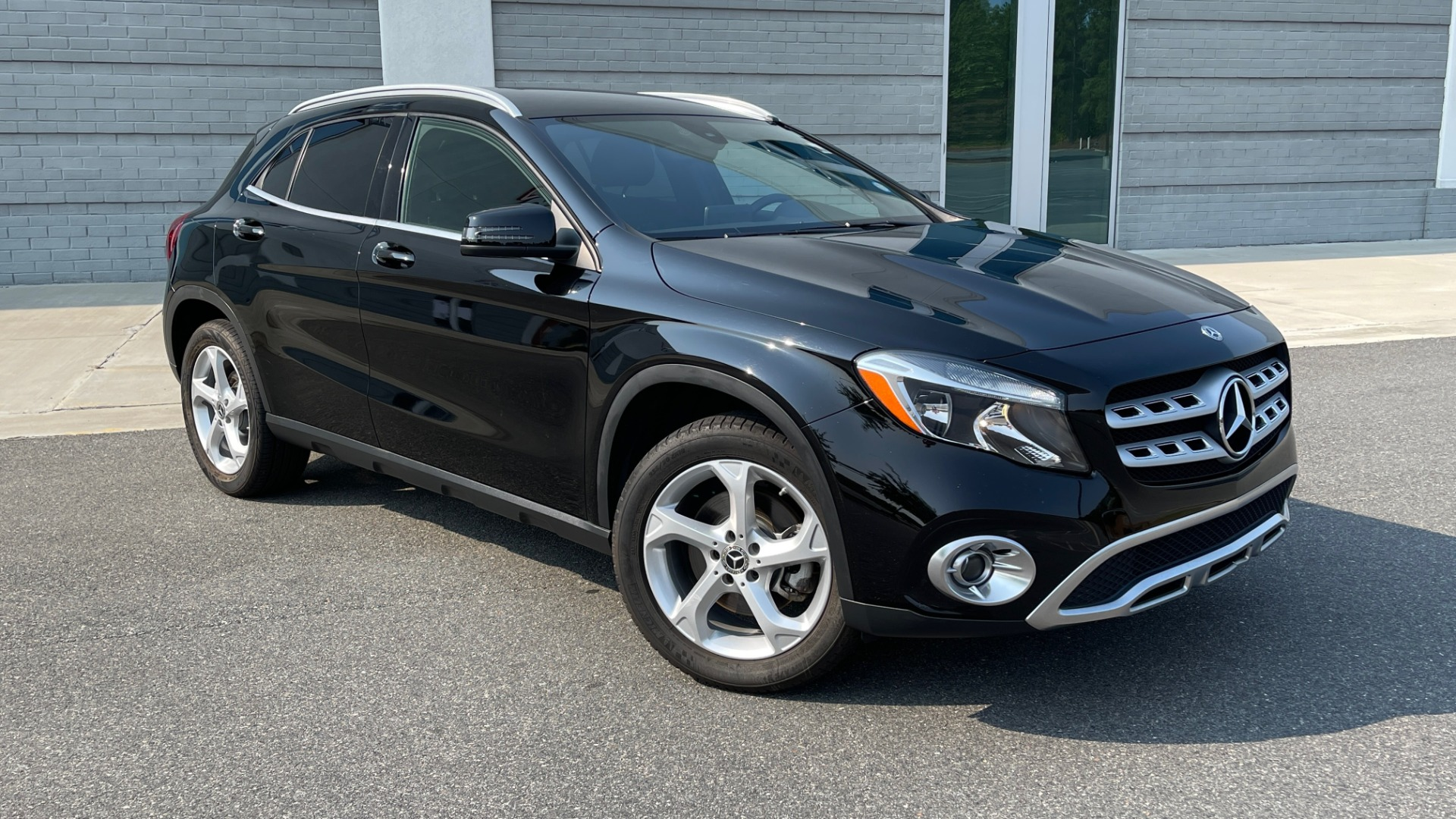 Used 2018 Mercedes-Benz GLA 250 SUV / GARMIN MAP PILOT / 18IN WHEELS / REARVIEW for sale $26,995 at Formula Imports in Charlotte NC 28227 4
