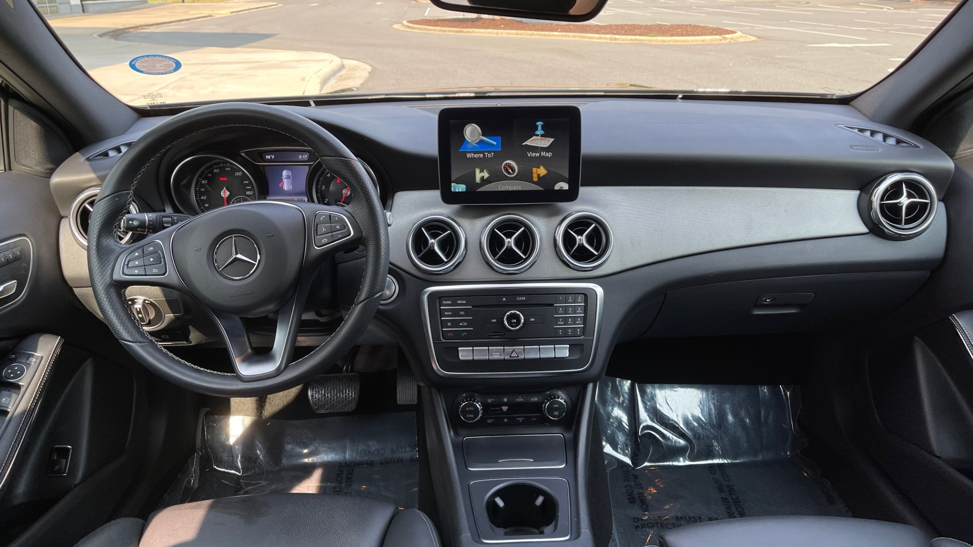 Used 2018 Mercedes-Benz GLA 250 SUV / GARMIN MAP PILOT / 18IN WHEELS / REARVIEW for sale $26,995 at Formula Imports in Charlotte NC 28227 49
