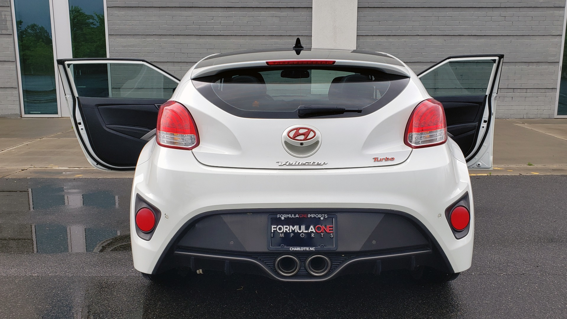 Used 2016 Hyundai VELOSTER 1.6L TURBO / 7-SPD ATUO / 3DR COUPE / NAV / PANO-ROOF for sale Sold at Formula Imports in Charlotte NC 28227 23