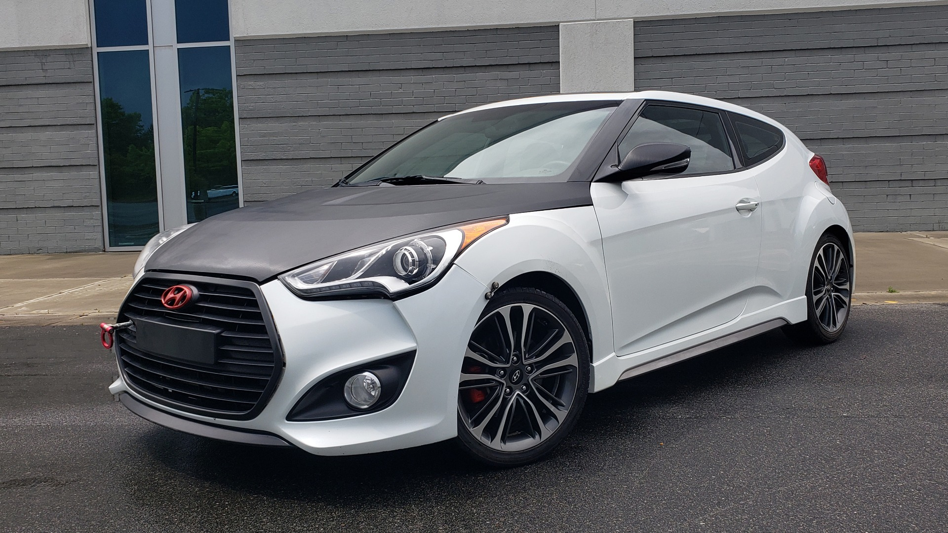 Used 2016 Hyundai VELOSTER 1.6L TURBO / 7-SPD ATUO / 3DR COUPE / NAV / PANO-ROOF for sale $13,995 at Formula Imports in Charlotte NC 28227 1