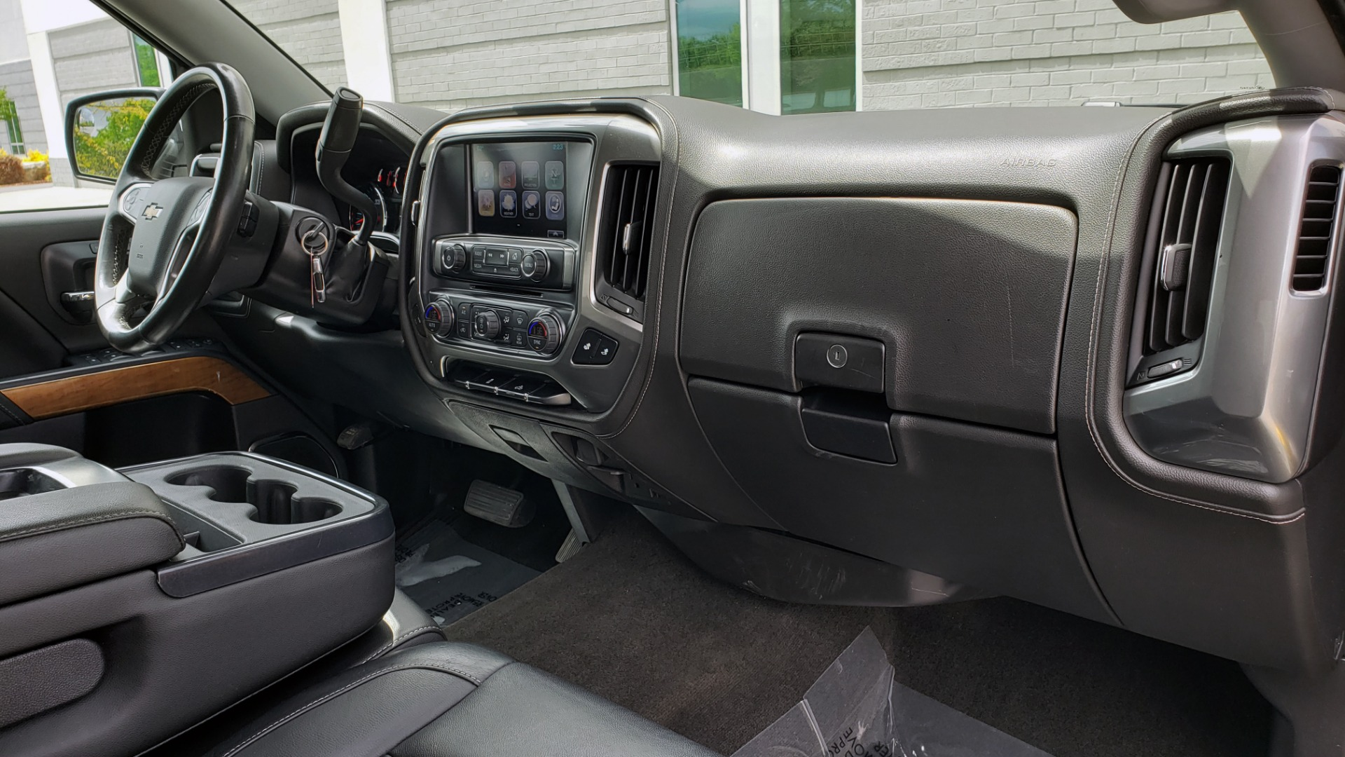 Used 2018 Chevrolet SILVERADO 1500 LTZ 1LZ / 5.3L V8 / 2WD / 6-SPD AUTO / DOUBLECAB / REARVIEW for sale Sold at Formula Imports in Charlotte NC 28227 63
