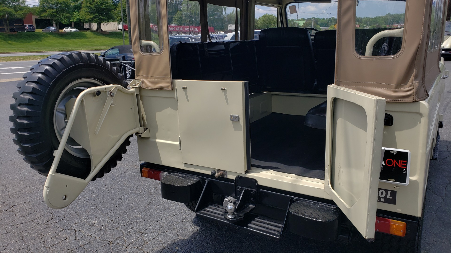 Used 1978 Nissan PATROL 4x4 / SOFT-TOP / 6-CYL / MANUAL / SEATS-9 / FULLY RESTORED for sale $32,400 at Formula Imports in Charlotte NC 28227 13