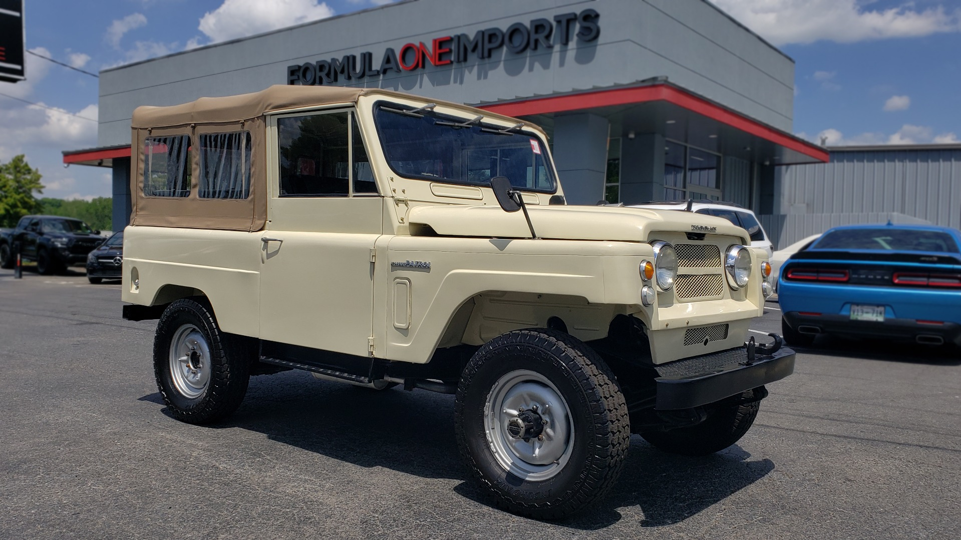 Used 1978 Nissan PATROL 4x4 / SOFT-TOP / 6-CYL / MANUAL / SEATS-9 / FULLY RESTORED for sale $32,400 at Formula Imports in Charlotte NC 28227 2
