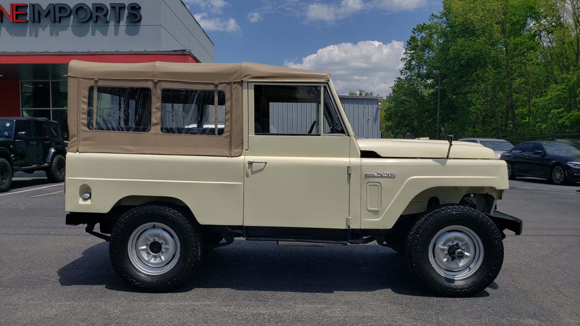 Used 1978 Nissan PATROL 4x4 / SOFT-TOP / 6-CYL / MANUAL / SEATS-9 / FULLY RESTORED for sale $32,400 at Formula Imports in Charlotte NC 28227 4