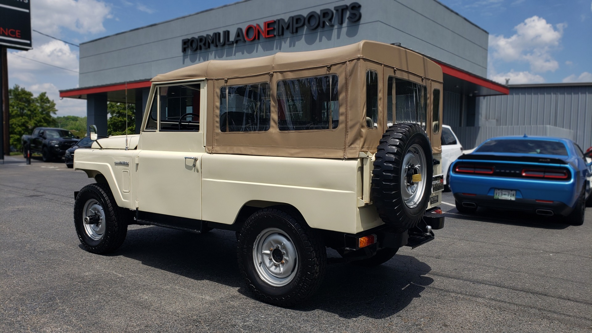 Used 1978 Nissan PATROL 4x4 / SOFT-TOP / 6-CYL / MANUAL / SEATS-9 / FULLY RESTORED for sale $32,400 at Formula Imports in Charlotte NC 28227 5