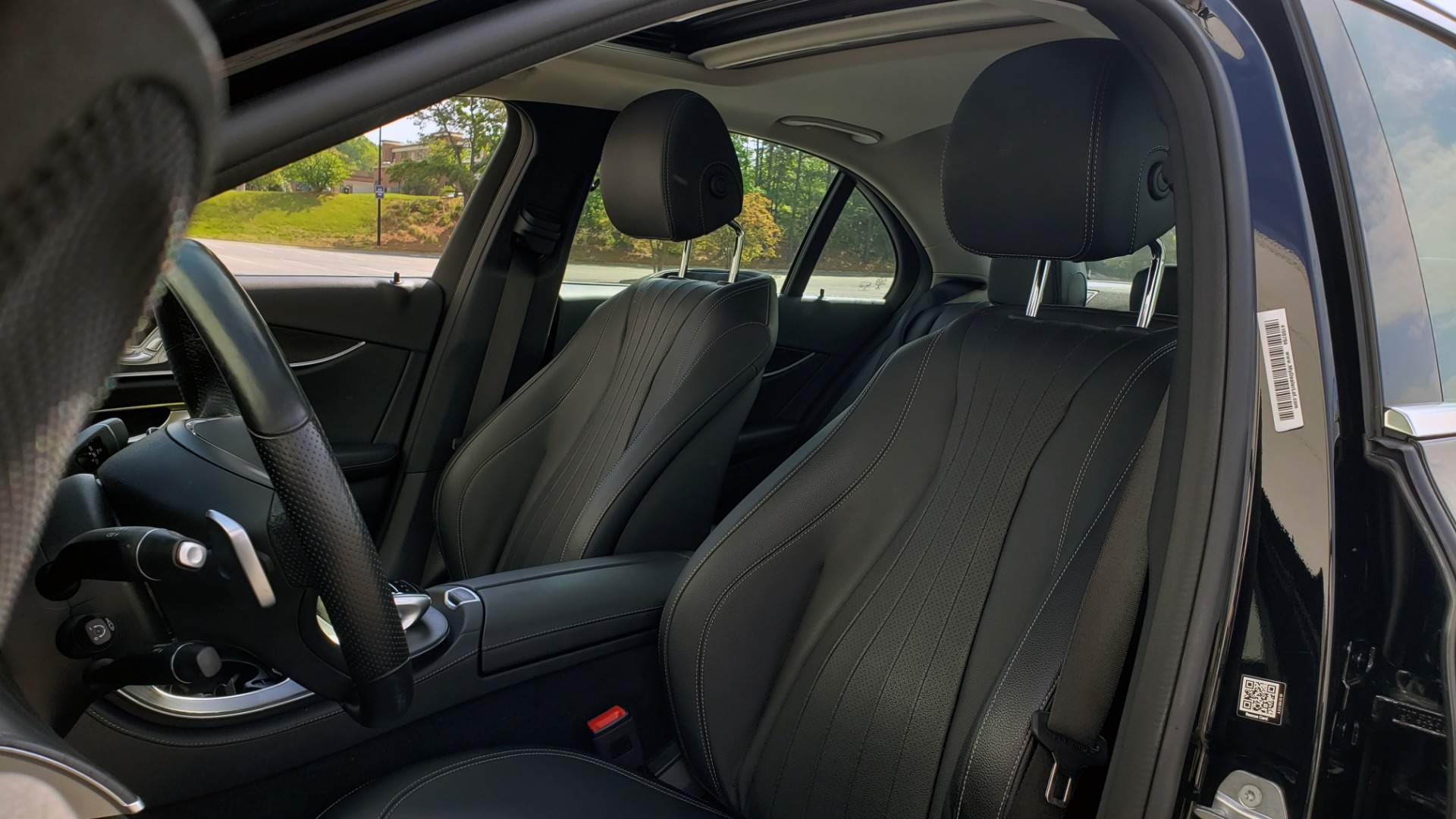 Used 2018 Mercedes-Benz E-CLASS E 300 PREMIUM / 4MATIC / NAV / SUNROOF / H/K SND / REARVIEW for sale $34,195 at Formula Imports in Charlotte NC 28227 32