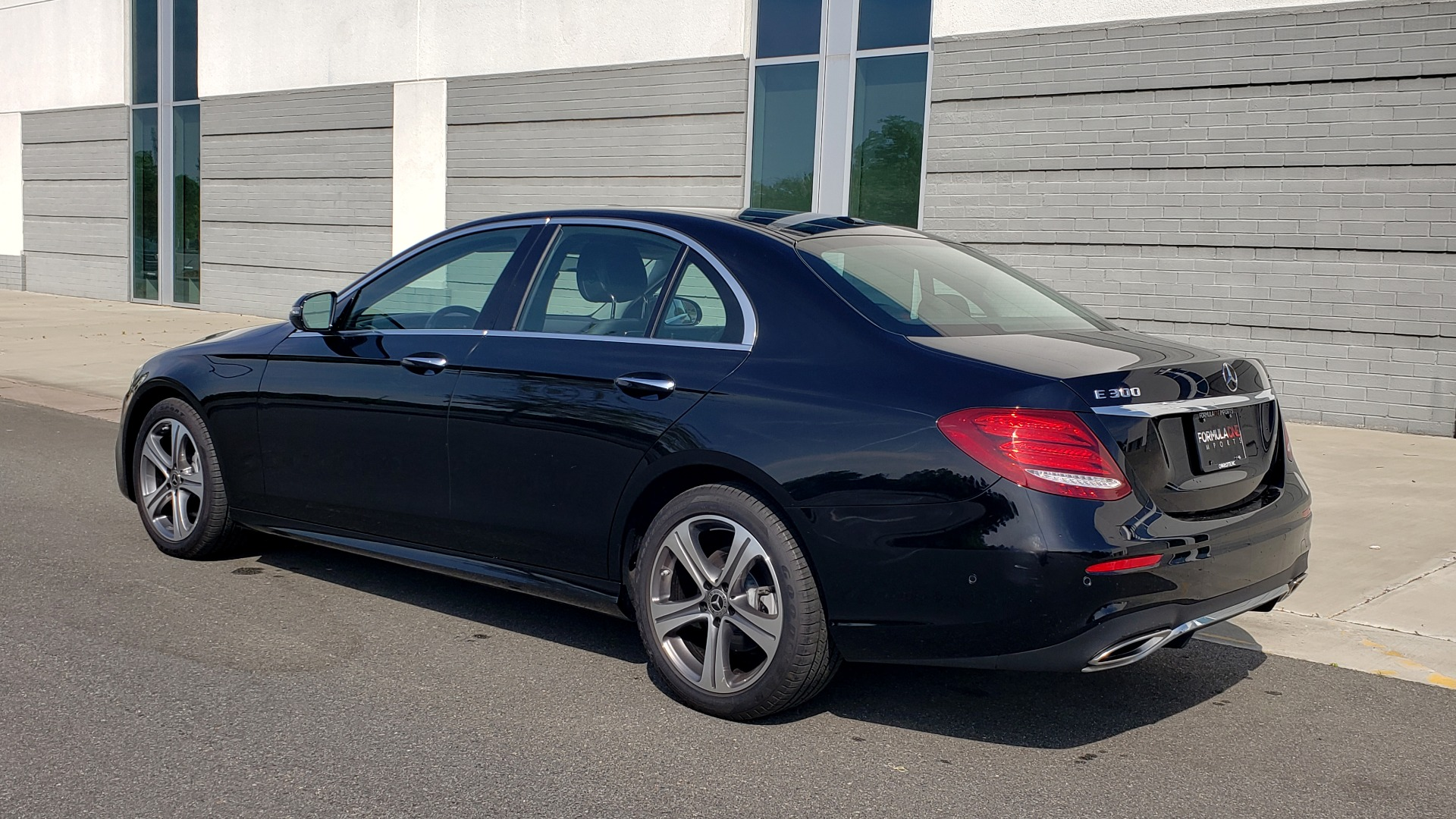 Used 2018 Mercedes-Benz E-CLASS E 300 PREMIUM / 4MATIC / NAV / SUNROOF / H/K SND / REARVIEW for sale $34,195 at Formula Imports in Charlotte NC 28227 5
