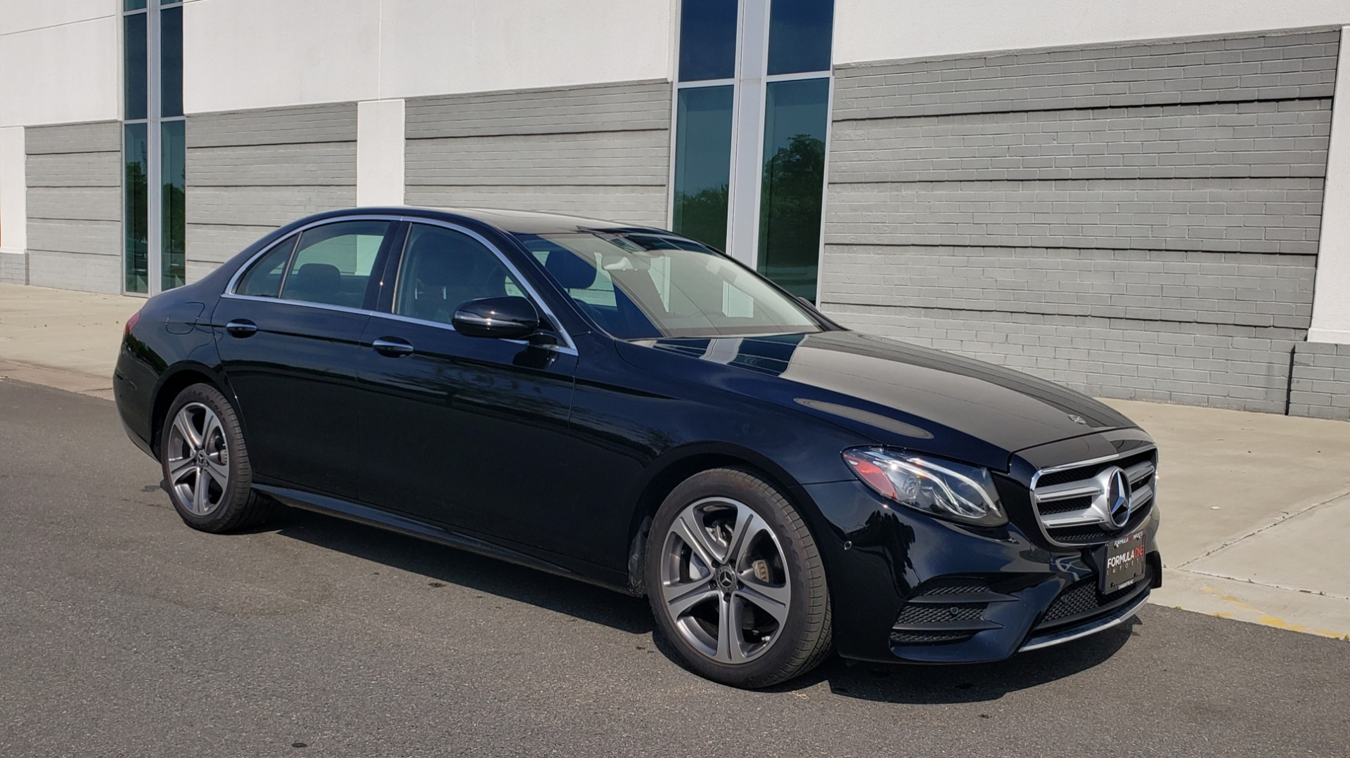 Used 2018 Mercedes-Benz E-CLASS E 300 PREMIUM / 4MATIC / NAV / SUNROOF / H/K SND / REARVIEW for sale $34,195 at Formula Imports in Charlotte NC 28227 6