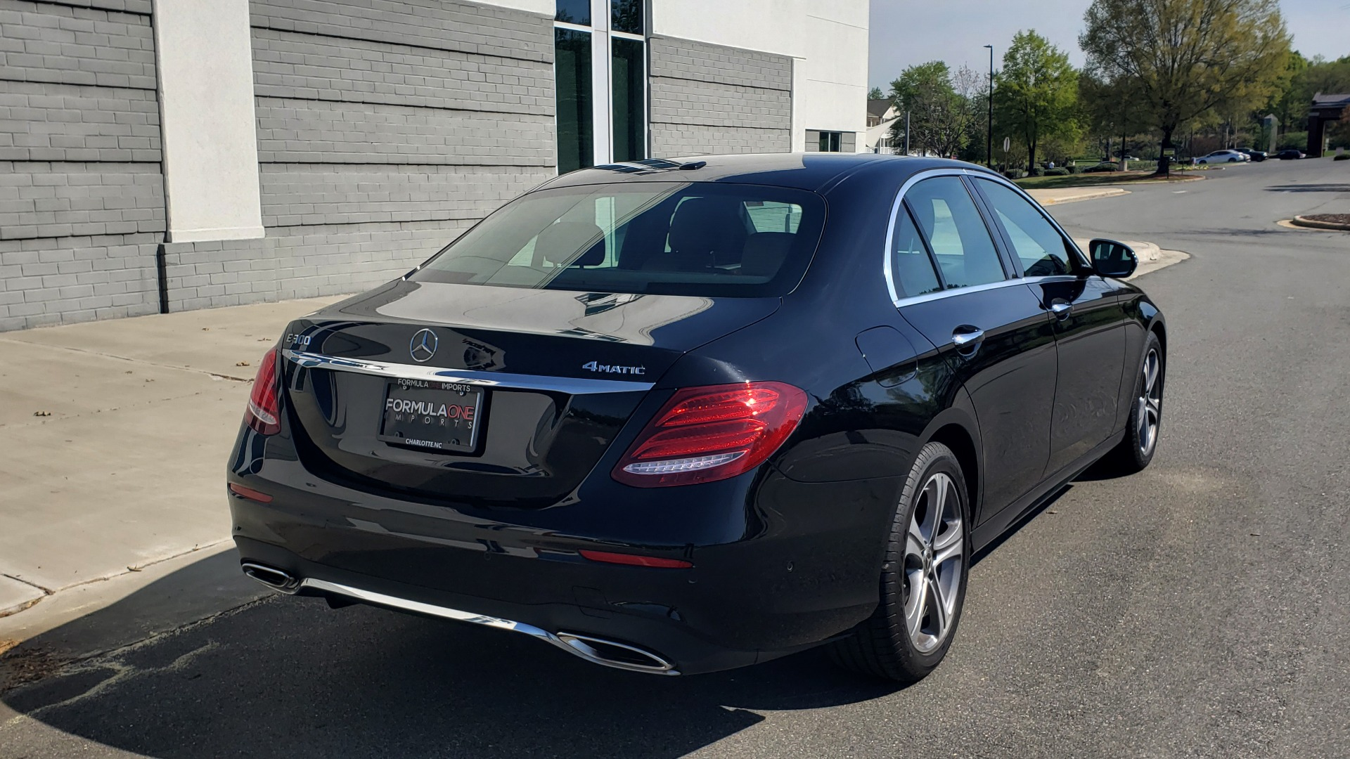Used 2018 Mercedes-Benz E-CLASS E 300 4MATIC PREMIUM / NAV / BURMESTER SND / BSM / REARVIEW for sale $33,995 at Formula Imports in Charlotte NC 28227 10