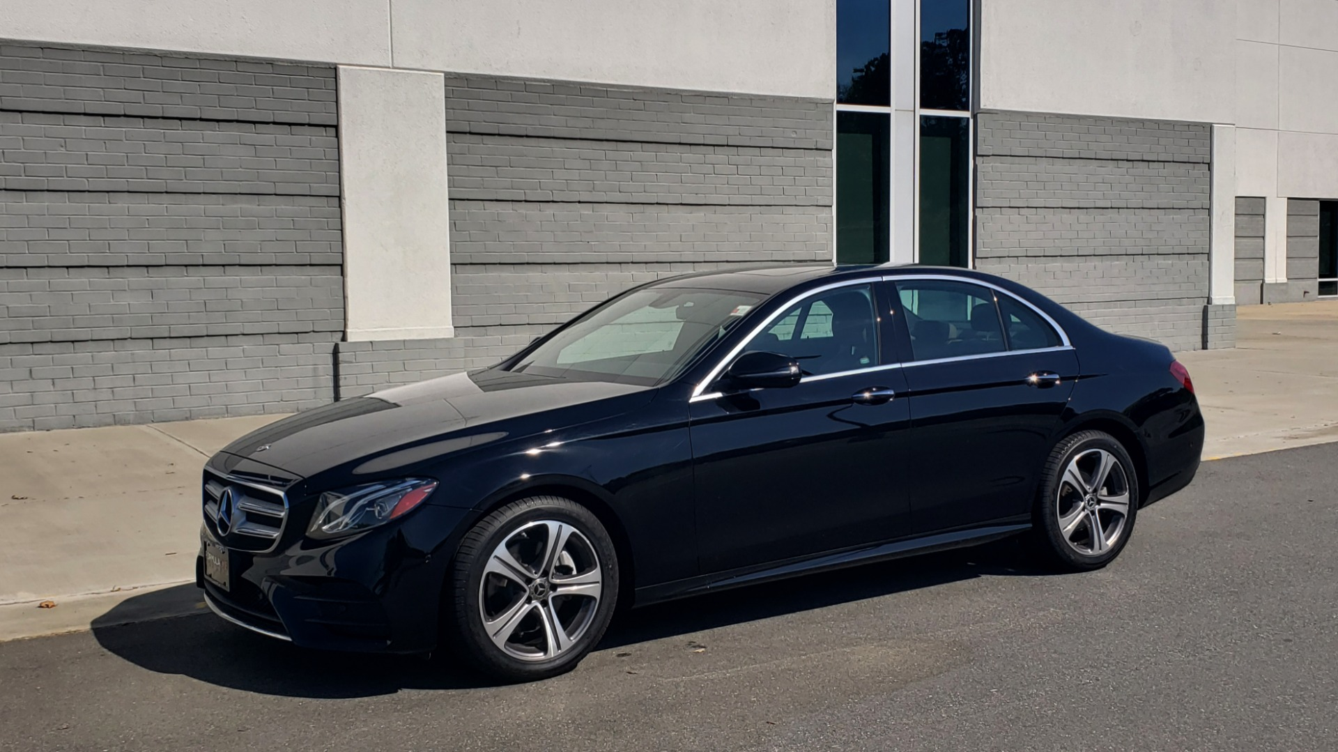 Used 2018 Mercedes-Benz E-CLASS E 300 4MATIC PREMIUM / NAV / BURMESTER SND / BSM / REARVIEW for sale $33,995 at Formula Imports in Charlotte NC 28227 4
