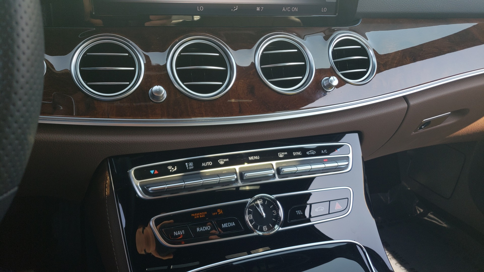 Used 2018 Mercedes-Benz E-CLASS E 300 4MATIC PREMIUM / NAV / BURMESTER SND / BSM / REARVIEW for sale $33,995 at Formula Imports in Charlotte NC 28227 49