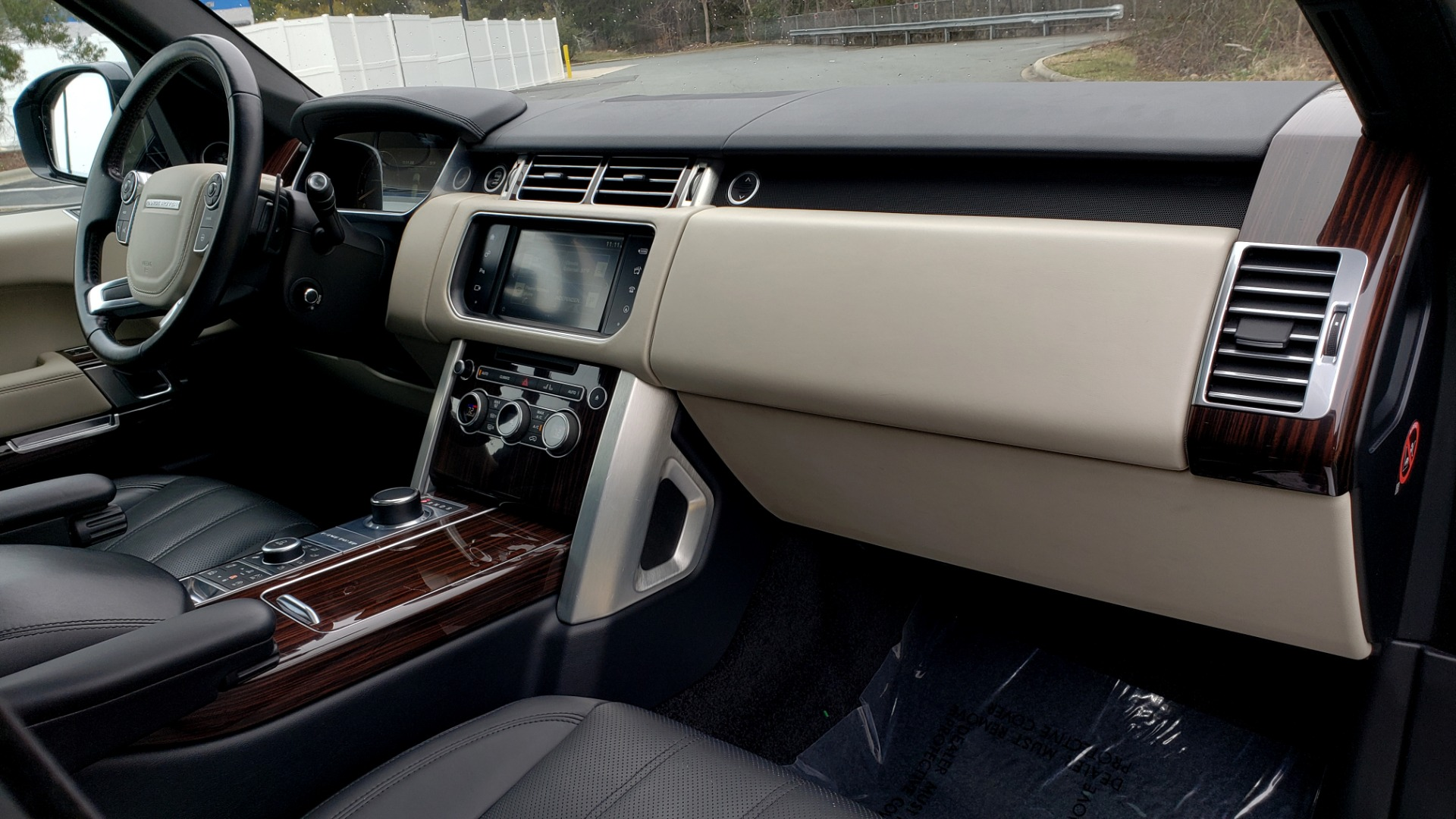 Used 2016 Land Rover Range Rover Supercharged for sale $54,995 at Formula Imports in Charlotte NC 28227 72